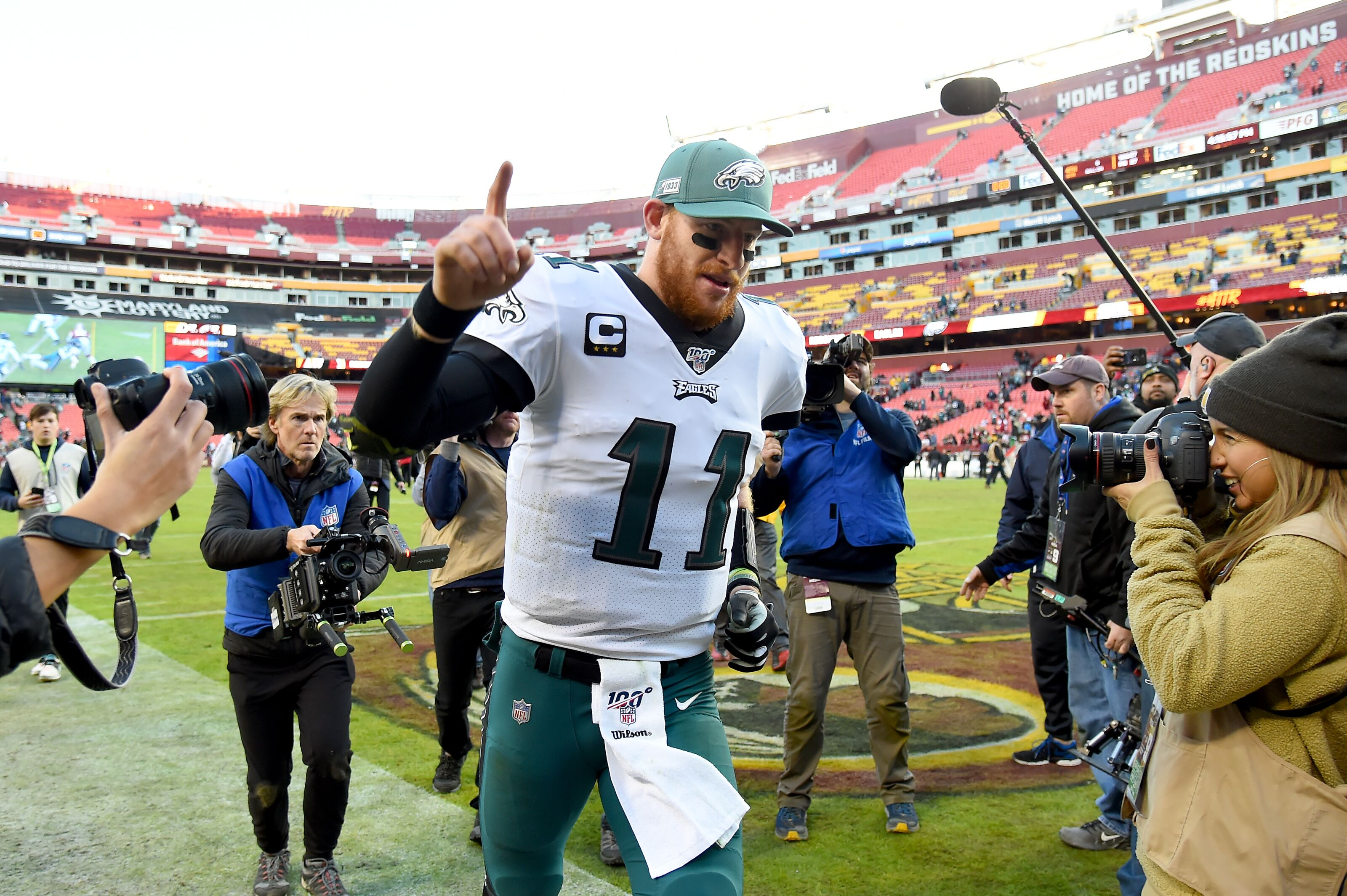 Philadelphia Eagles: Offense shows up in win, and so do the fans