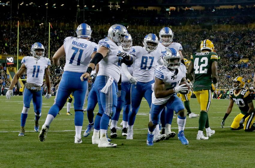 871063102-detroit-lions-v-green-bay-packers.jpg-850x560