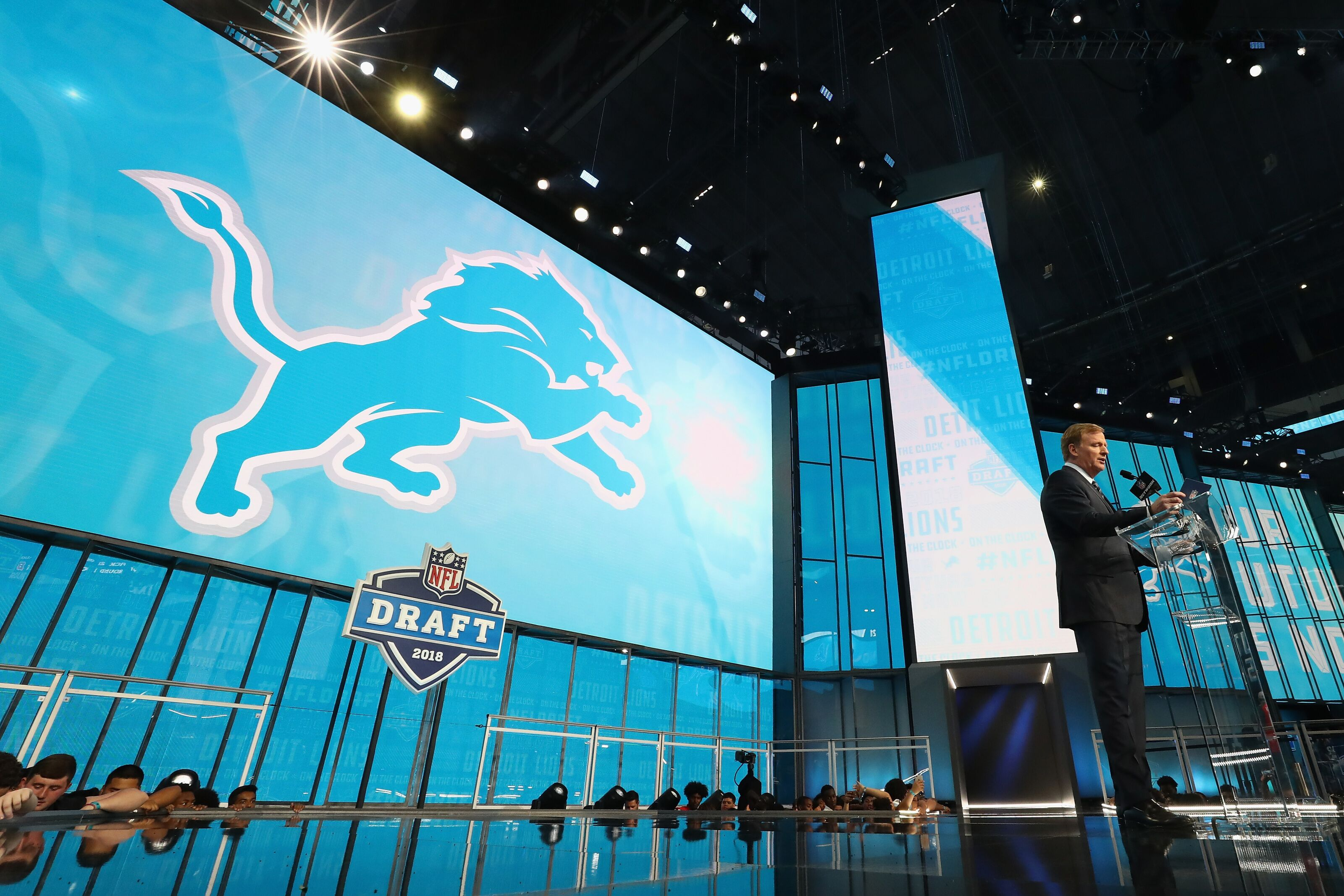 What do the Detroit Lions have to do to host an NFL draft?