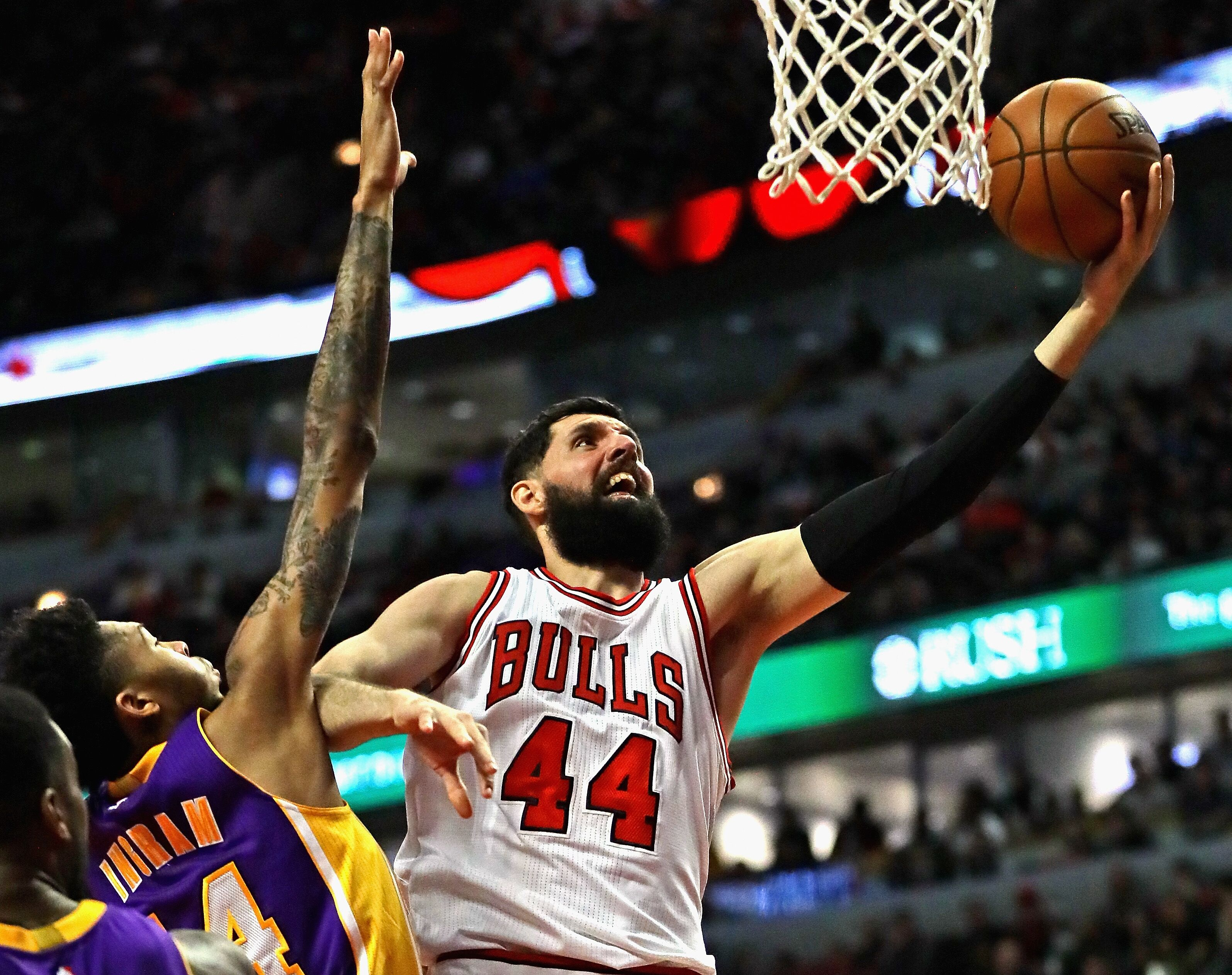 626897840-los-angeles-lakers-v-chicago-bulls.jpg