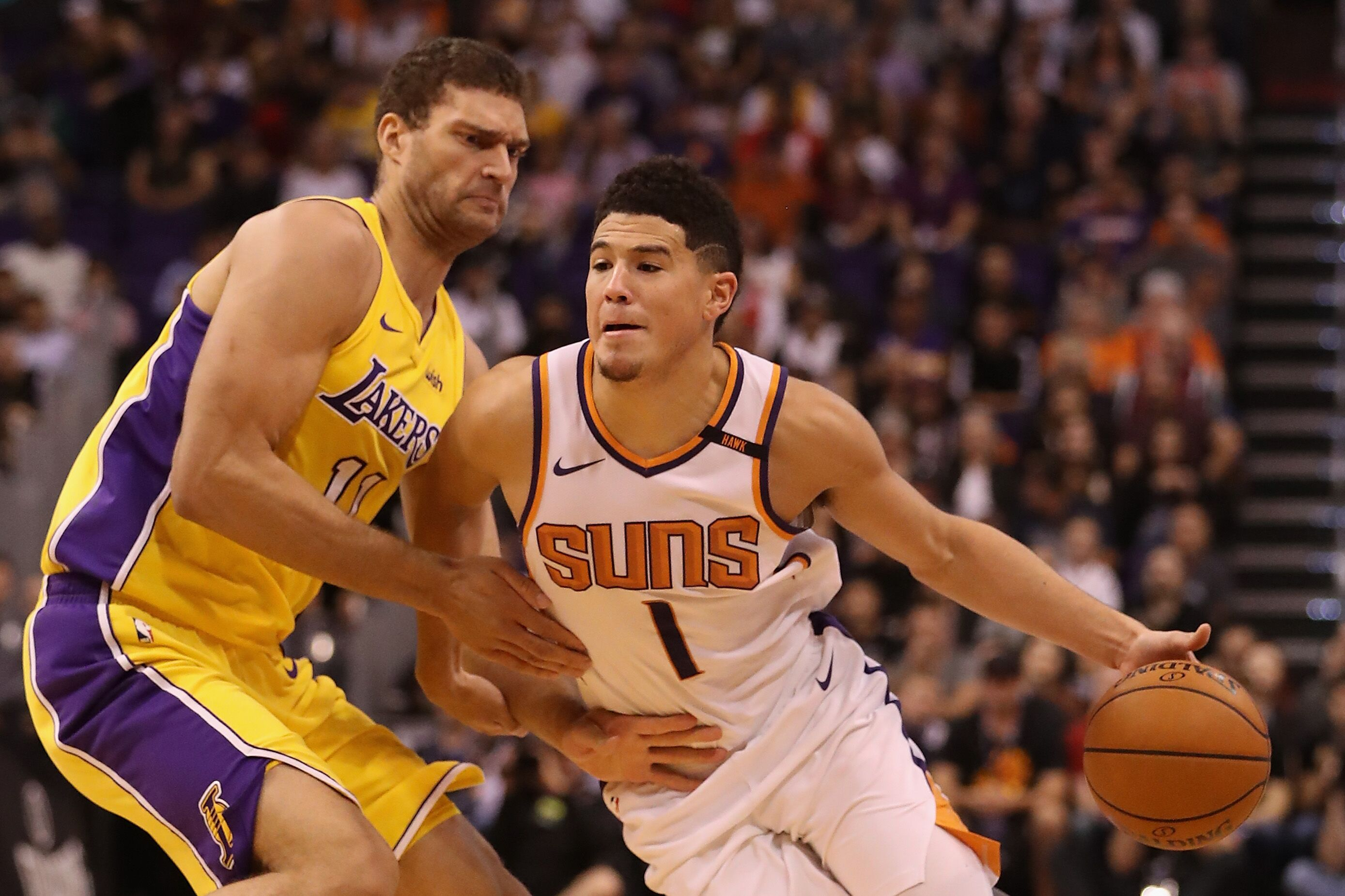 874627914-los-angeles-lakers-v-phoenix-suns.jpg
