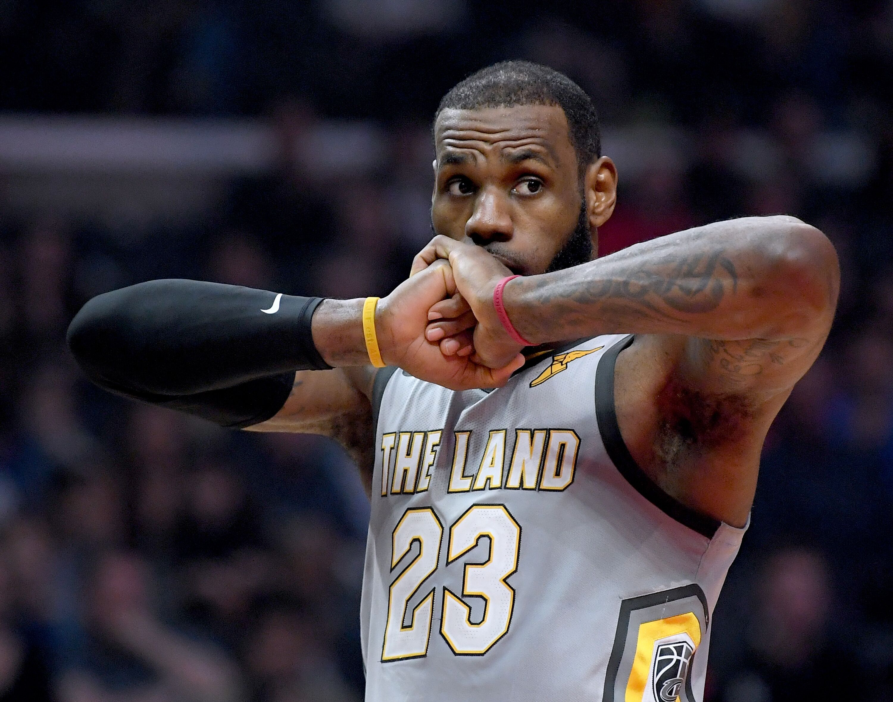 929942764-cleveland-cavaliers-v-los-angeles-clippers.jpg