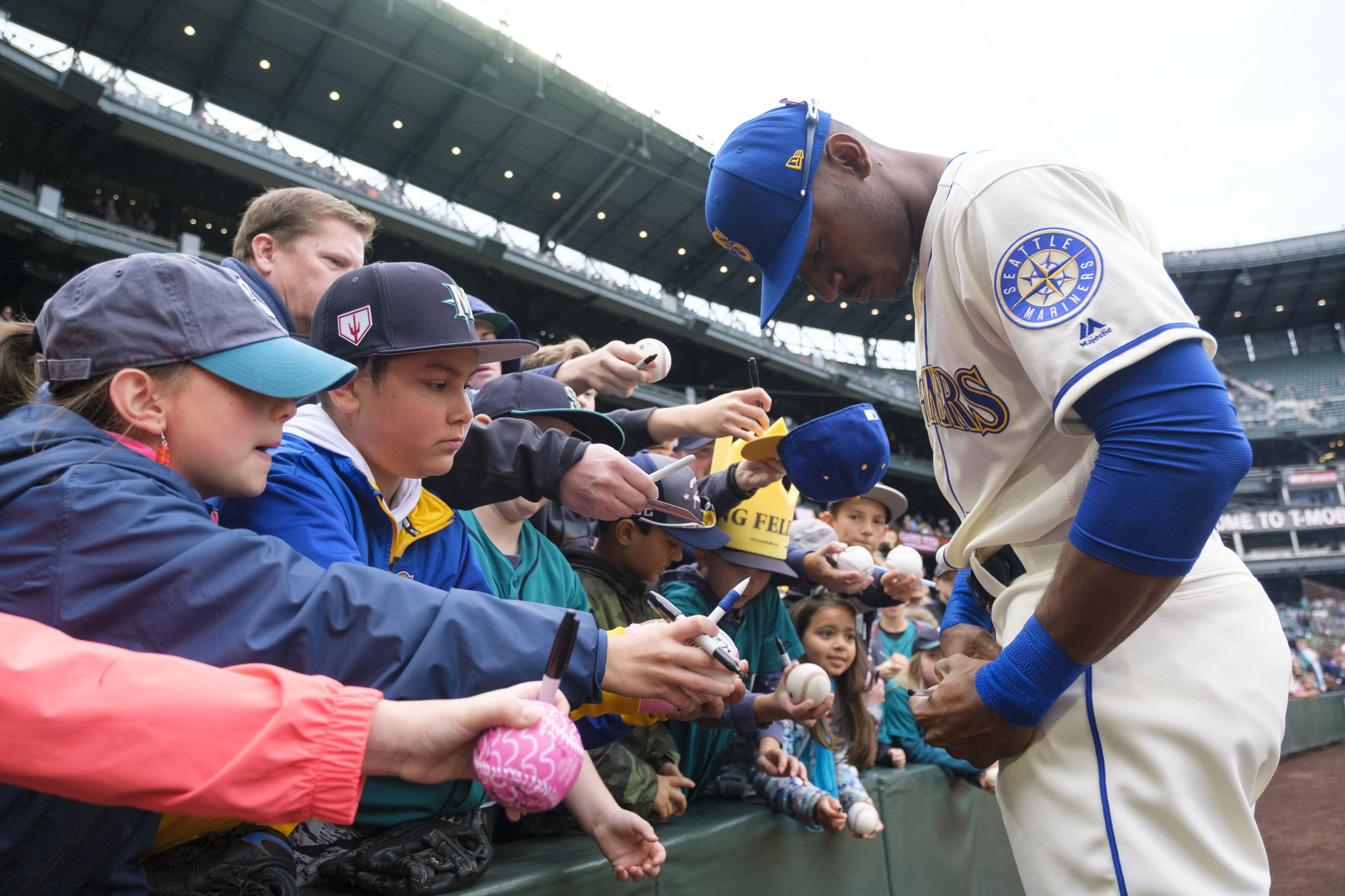 Mariners end season on high note and other takeaways from the finale