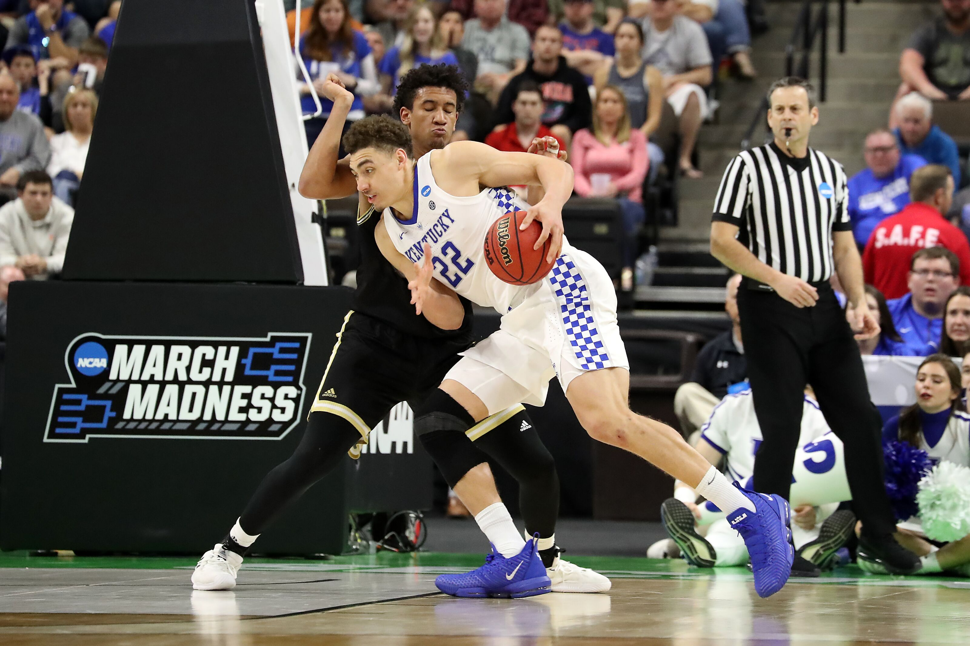 Kentucky Basketball Narrowly Escapes Wofford for Sweet 16 Spot