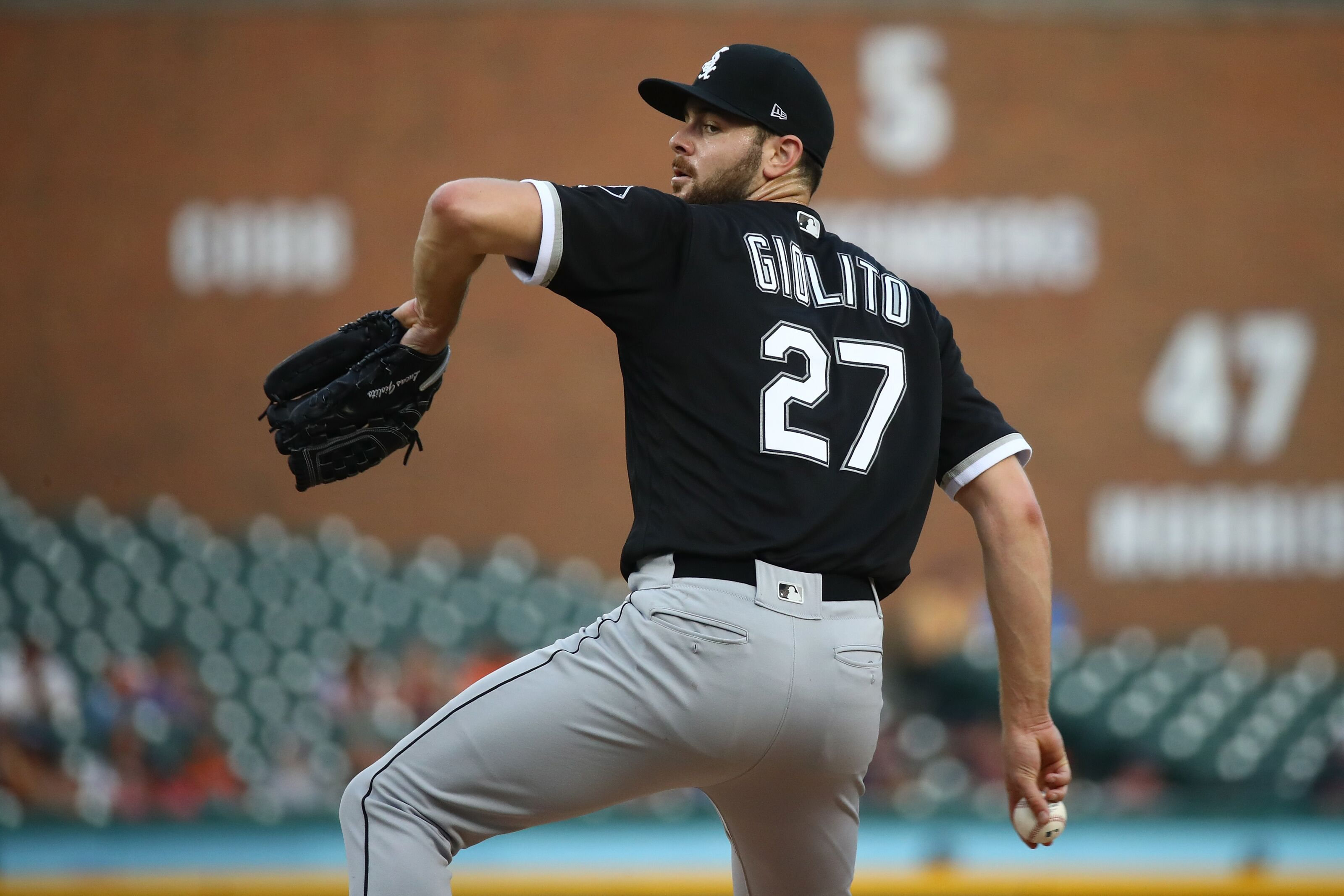 White Sox: Lucas Giolito Having Better Results on The Road