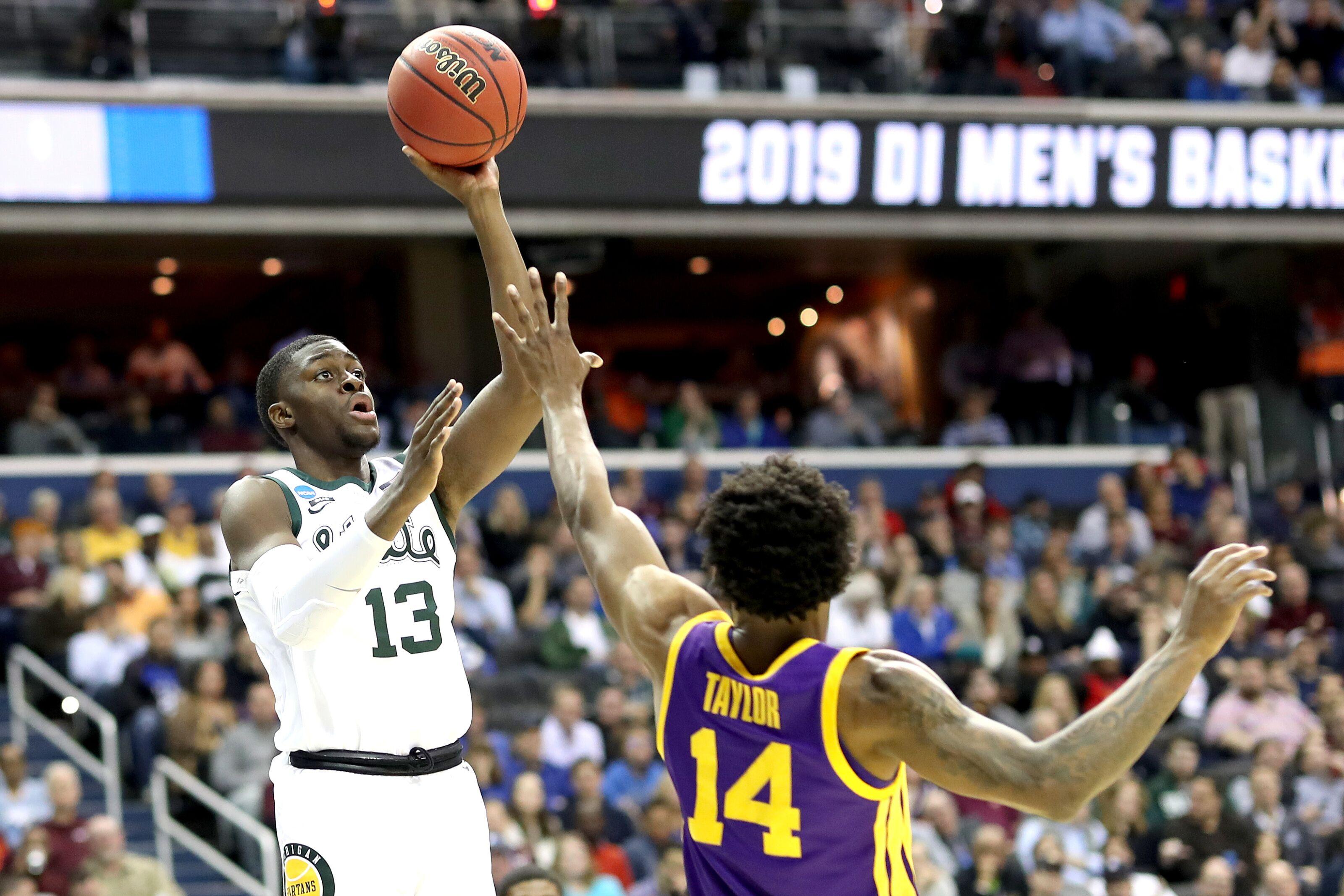 d7e16e59a8fe0d Michigan State Basketball  Freshmen dominate LSU