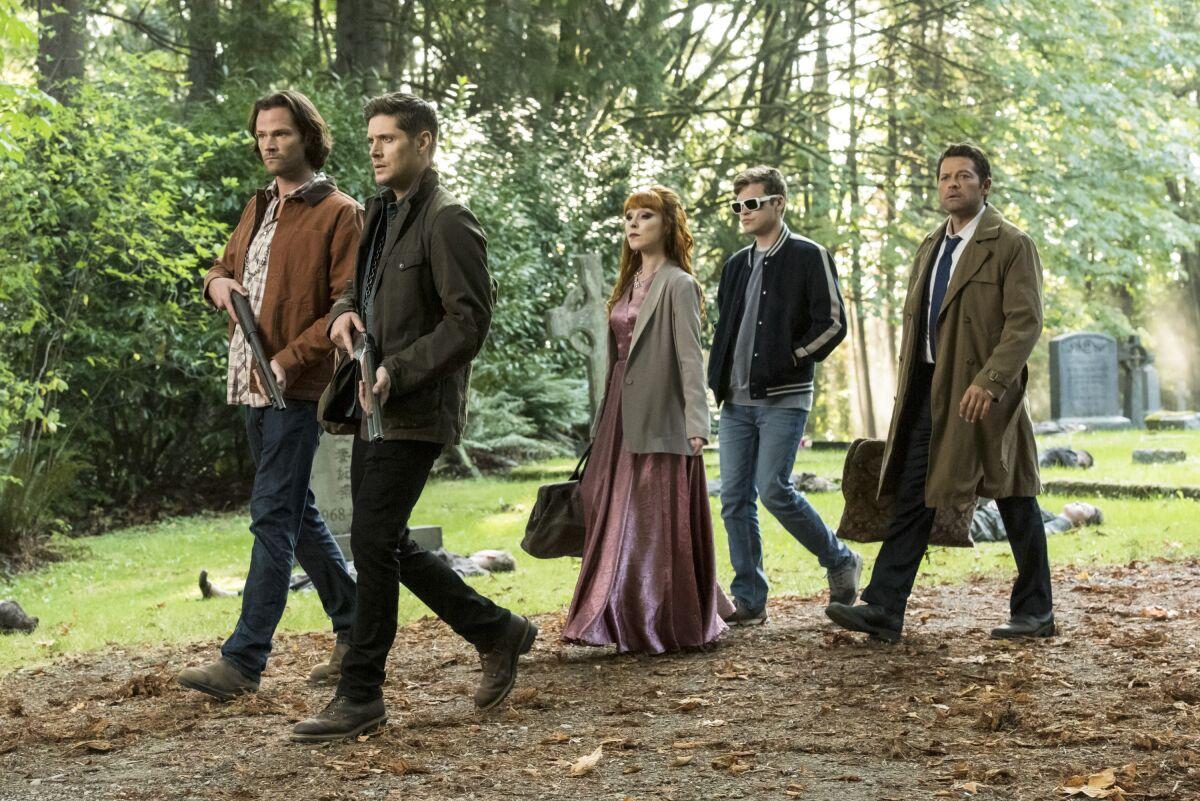 Supernatural Season 15, Episode 3 images: Sending spirits back to Hell