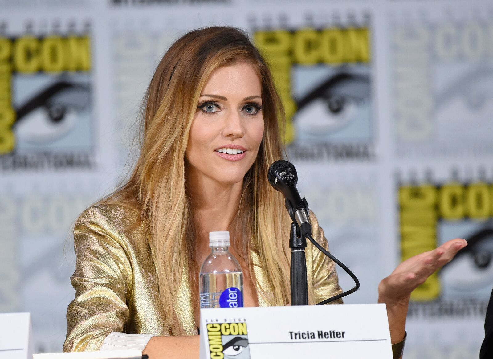 Tricia Helfer gets a fang-tastic role in Van Helsing Season 4