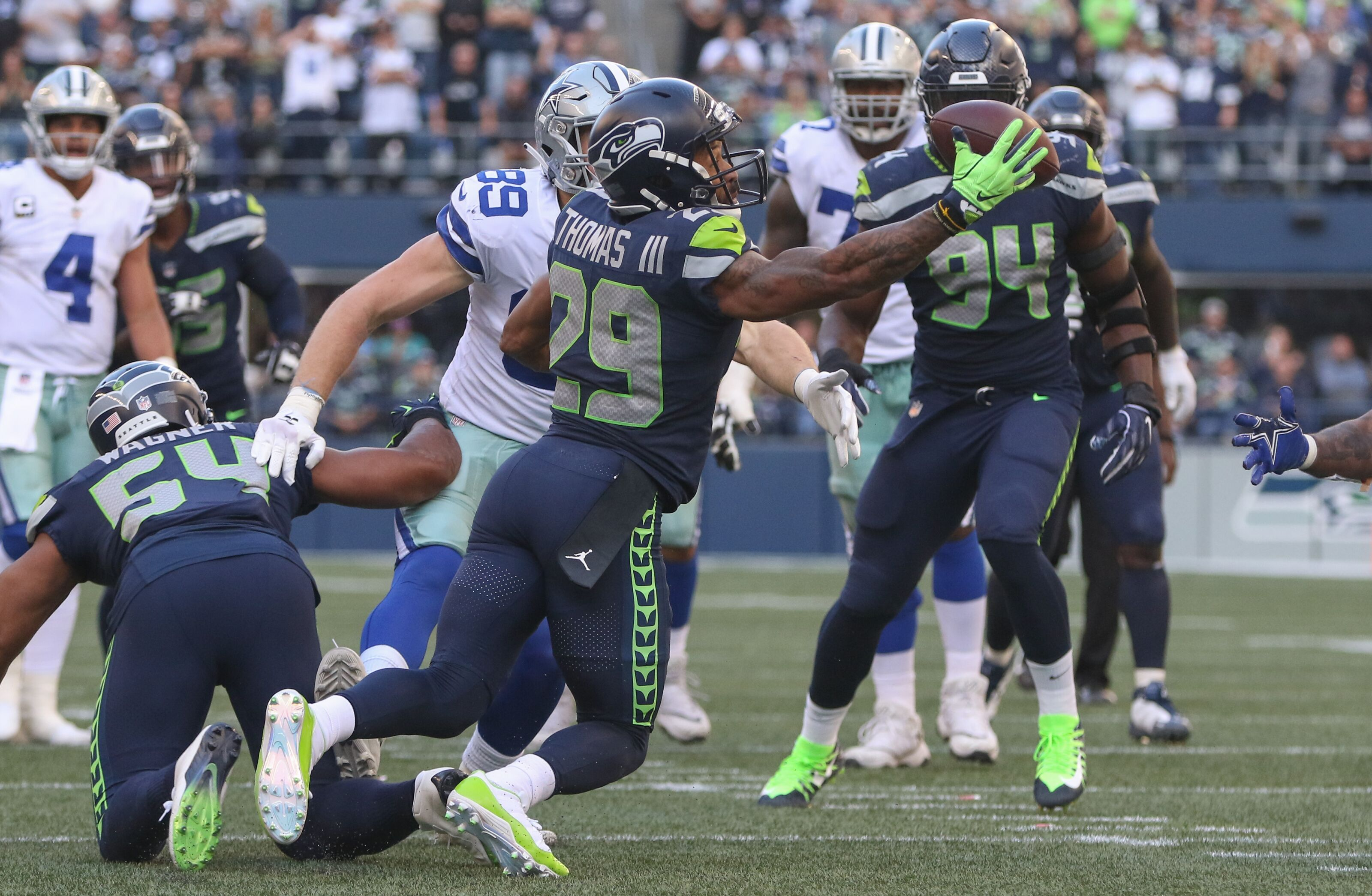 7e549c8c598 Dallas Cowboys: Earl Thomas haters were wrong but now it's too late