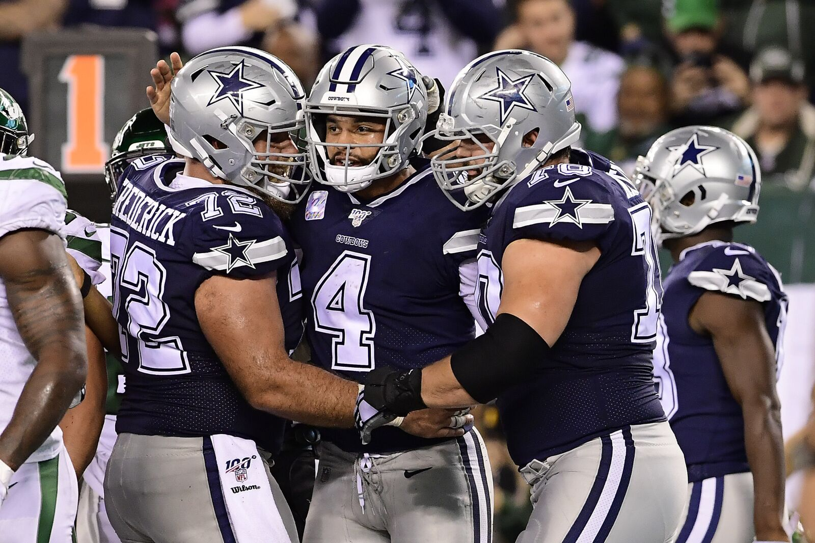 Dallas Cowboys proving contract extension best left undone