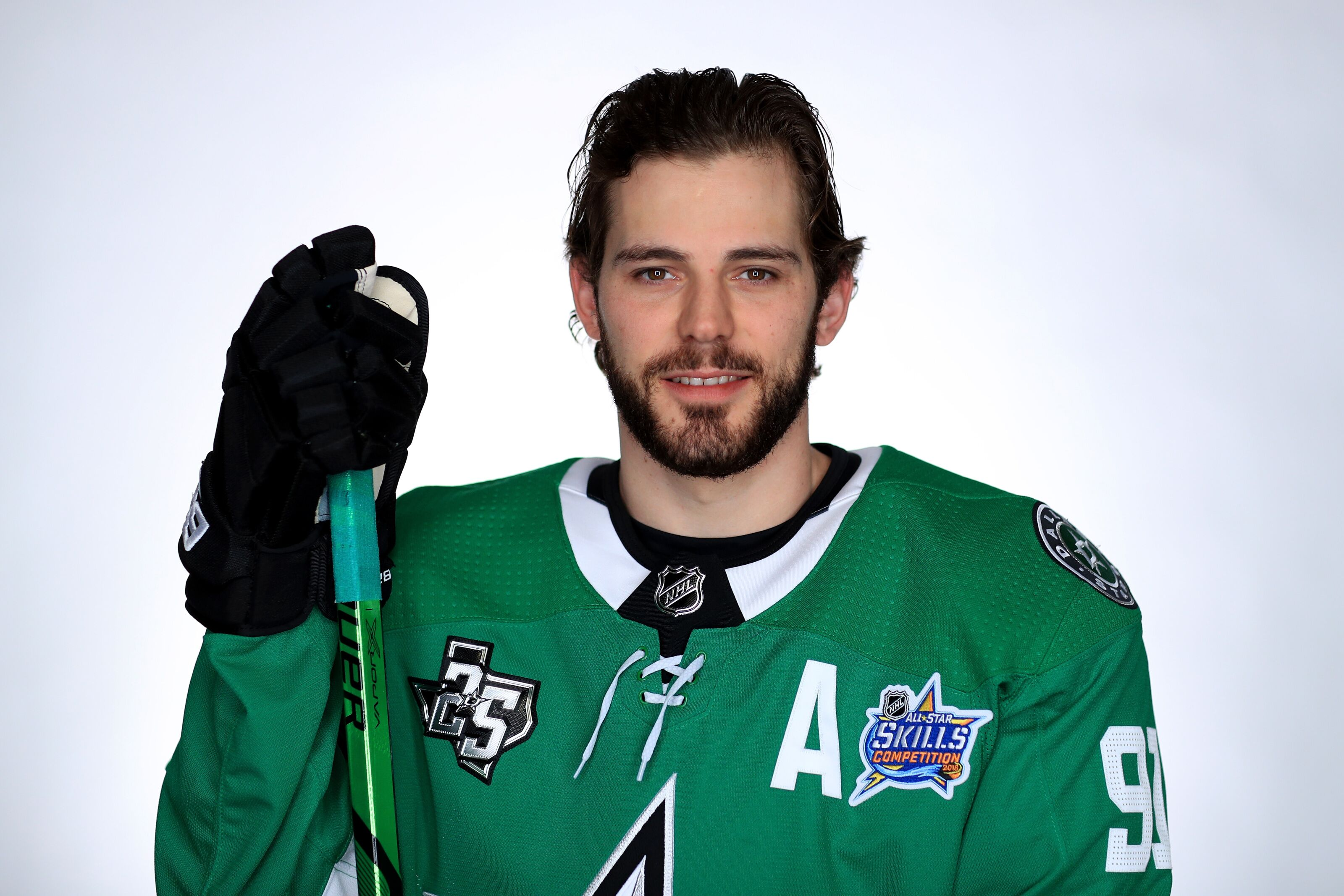 1b394de84 Dallas Stars  Seguin signs long-term extension with the Stars