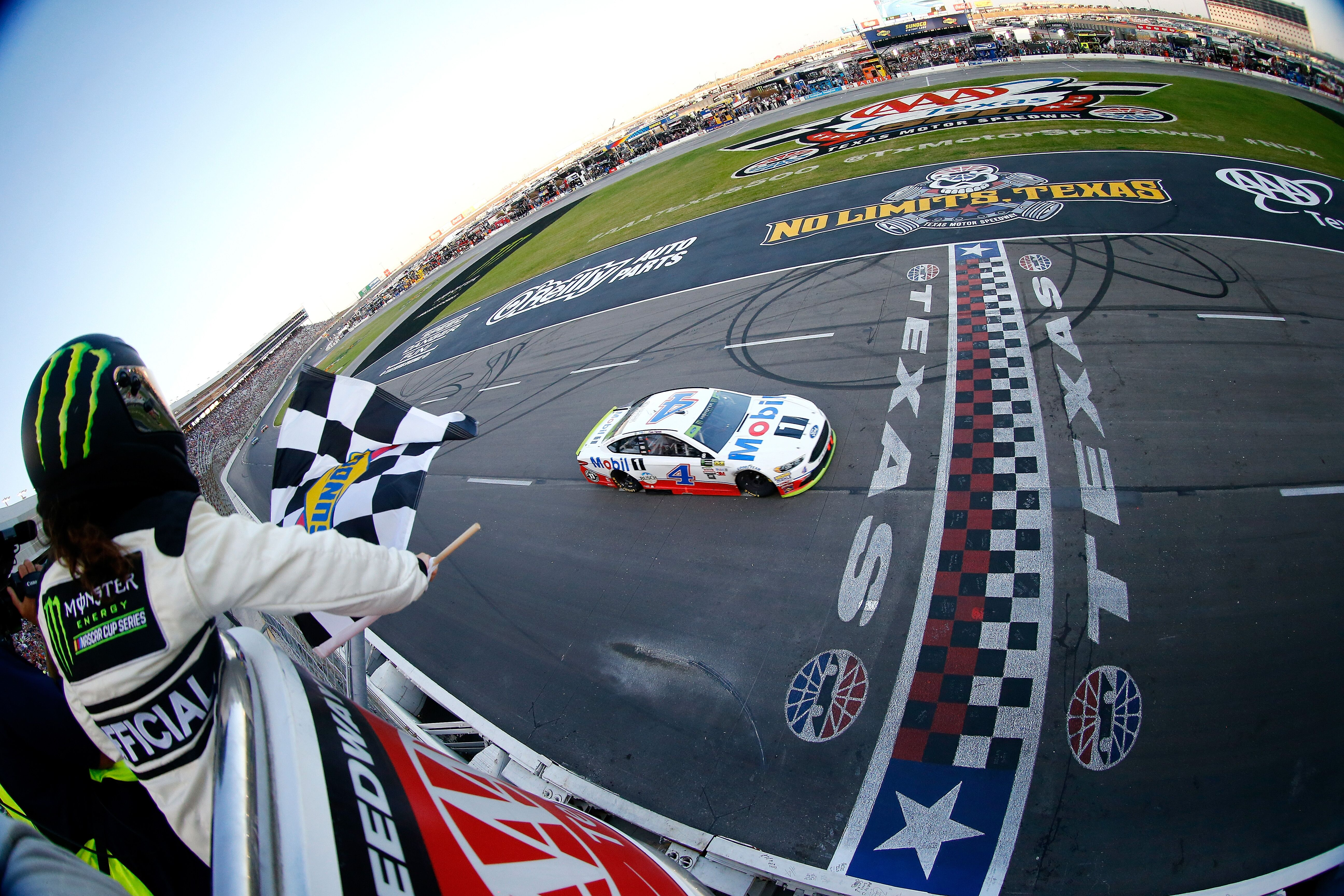 Nascar top 10 texas motor speedway races sportdfw for Nascar tickets for texas motor speedway