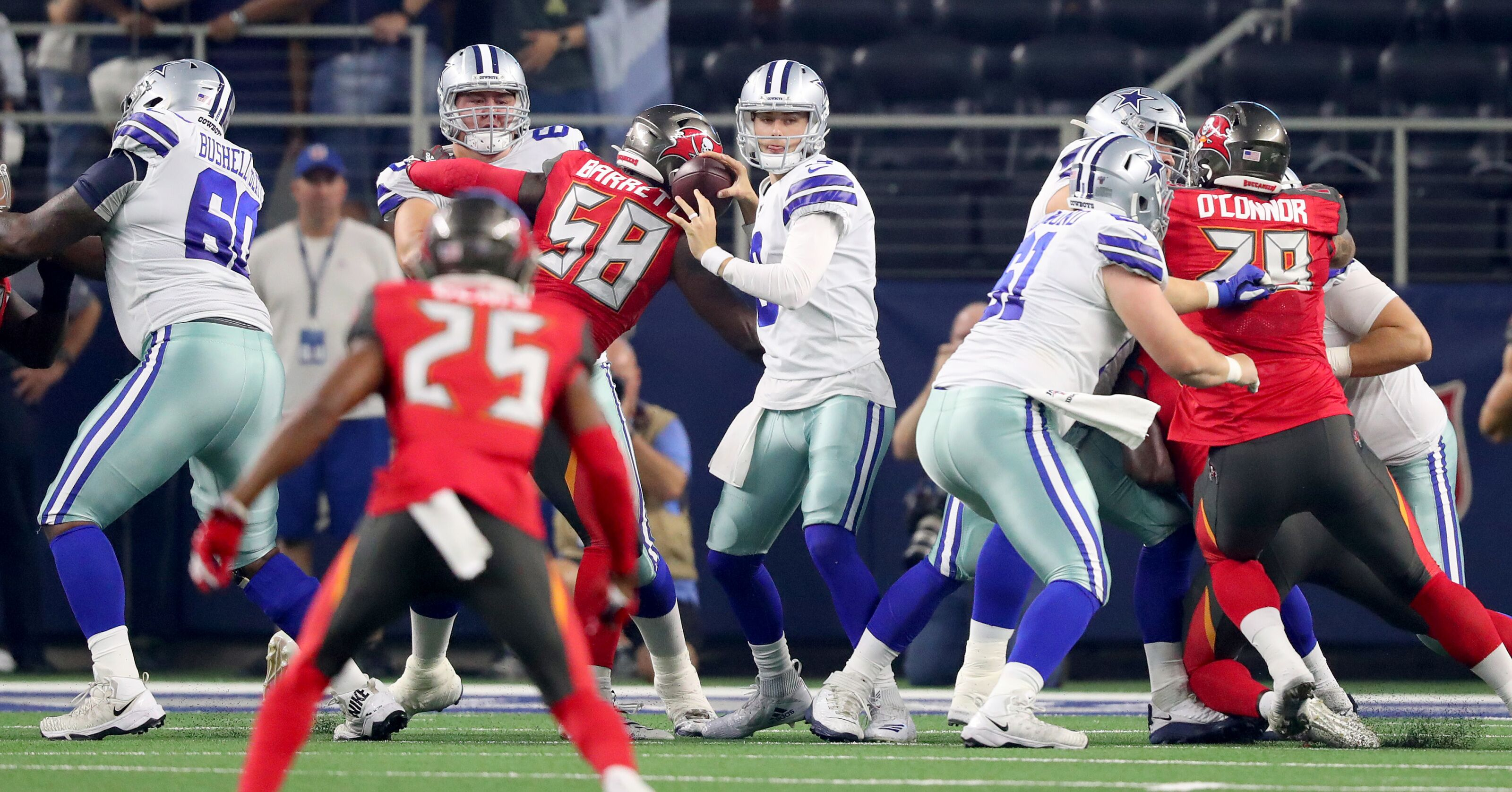 Dallas Cowboys: The O-line may be a bigger worry than they're letting on