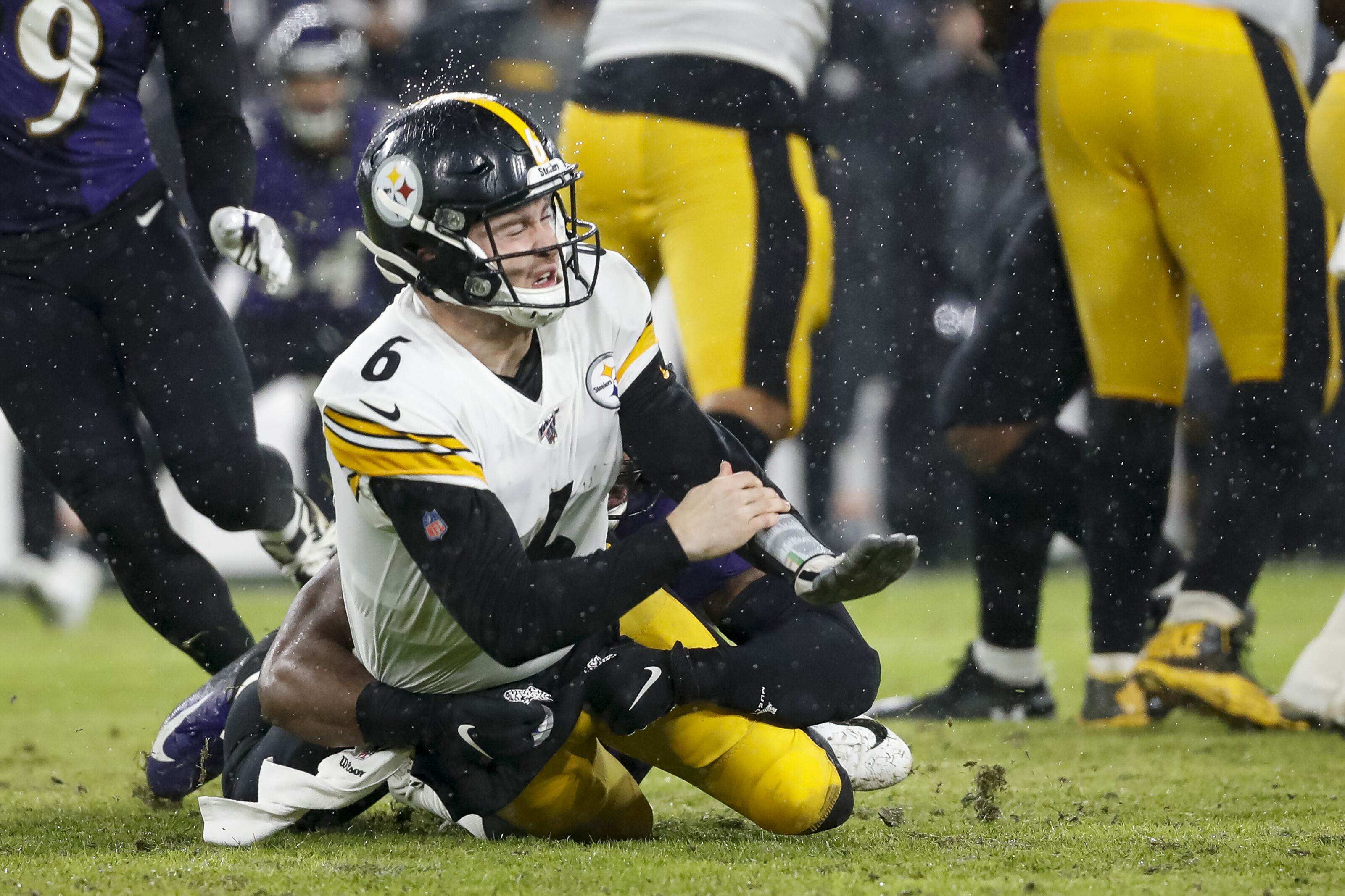 Steelers GM Kevin Colbert has no reason to be confident in backup QB situation