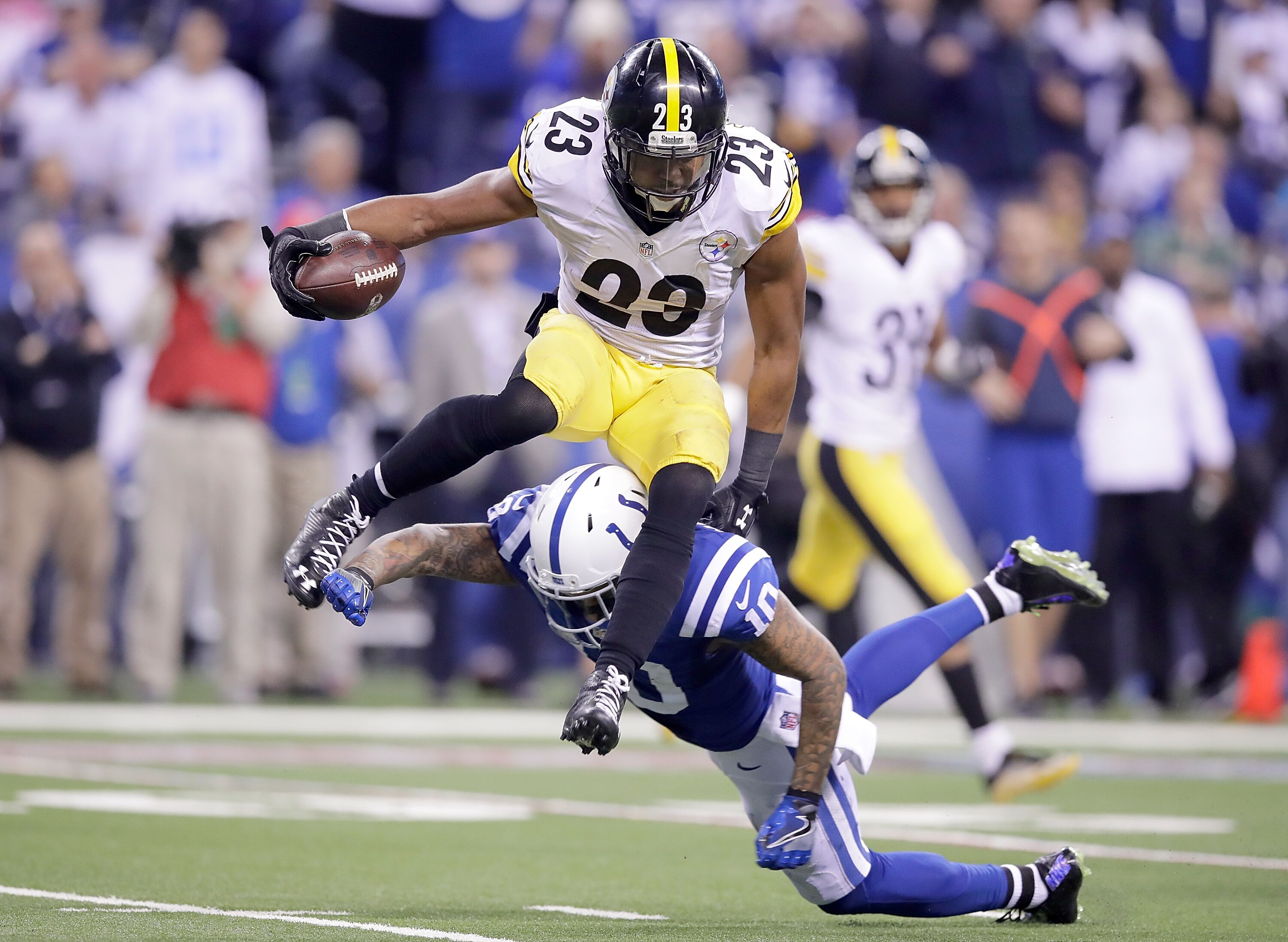 625645602-pittsburgh-steelers-v-indianapolis-colts.jpg