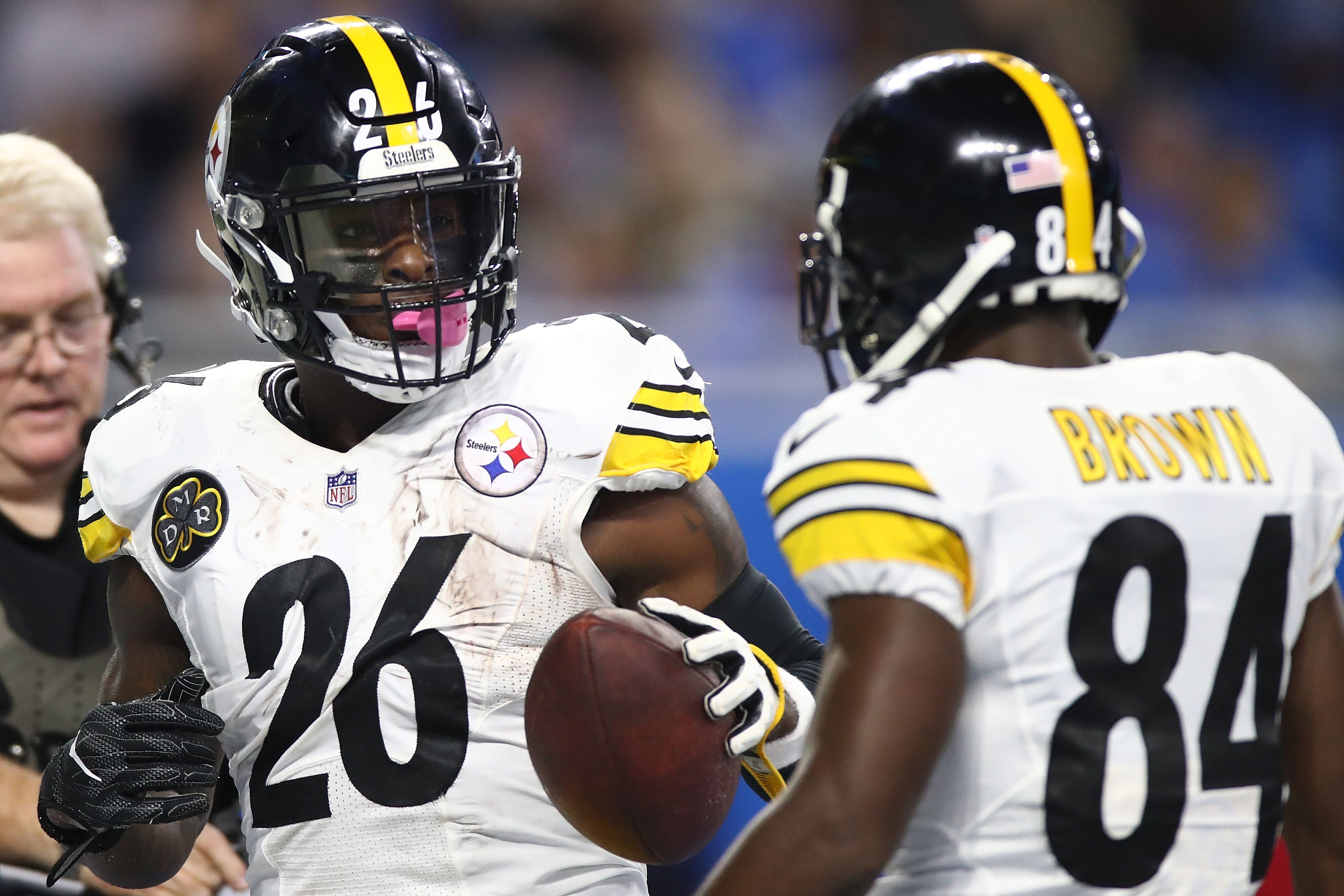 7798b7a7c815 Pittsburgh Steelers  Evaluating Le Veon Bell s options heading into the  deadline