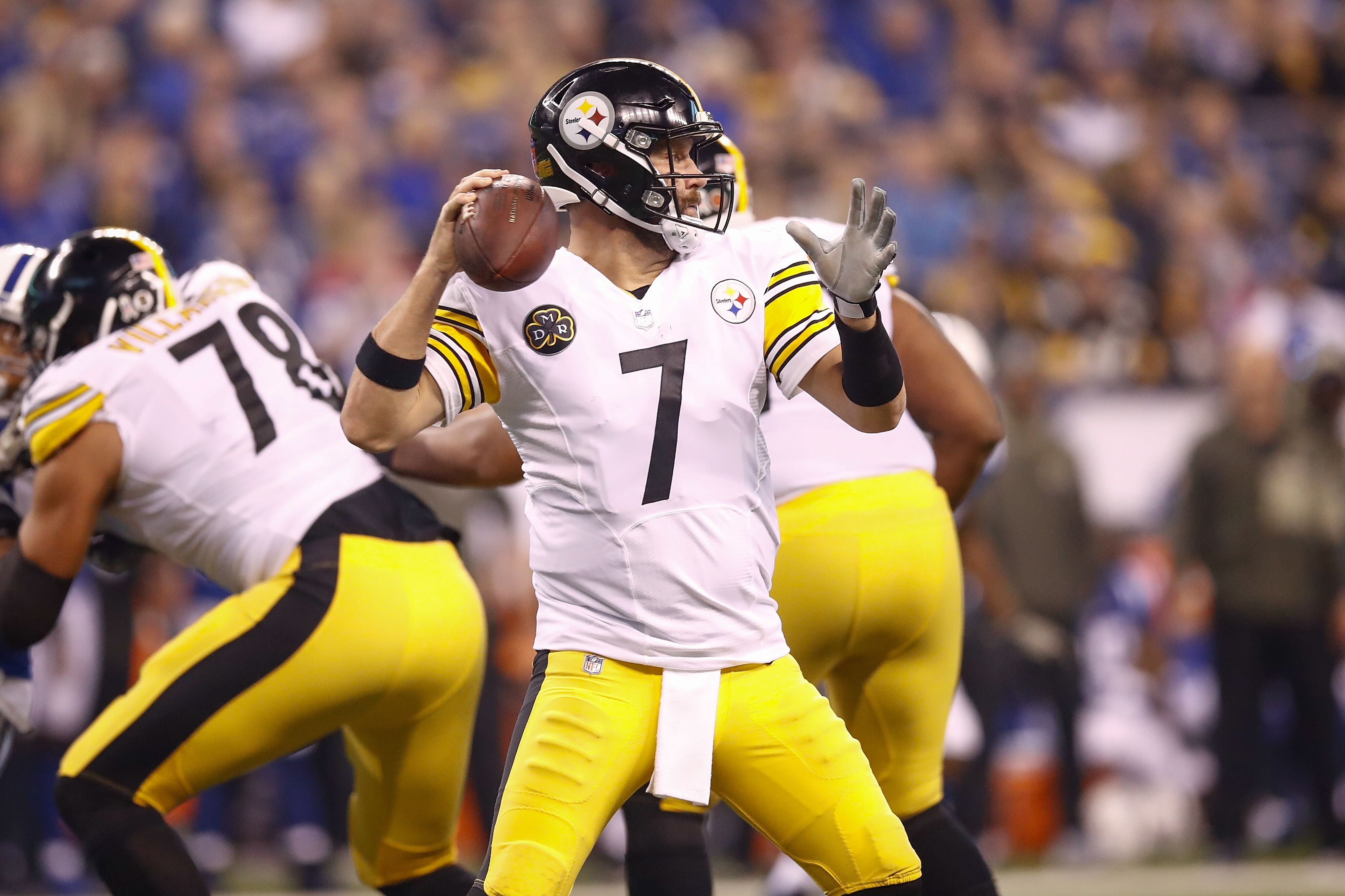 873292218-pittsburgh-steelers-v-indianapolis-colts.jpg