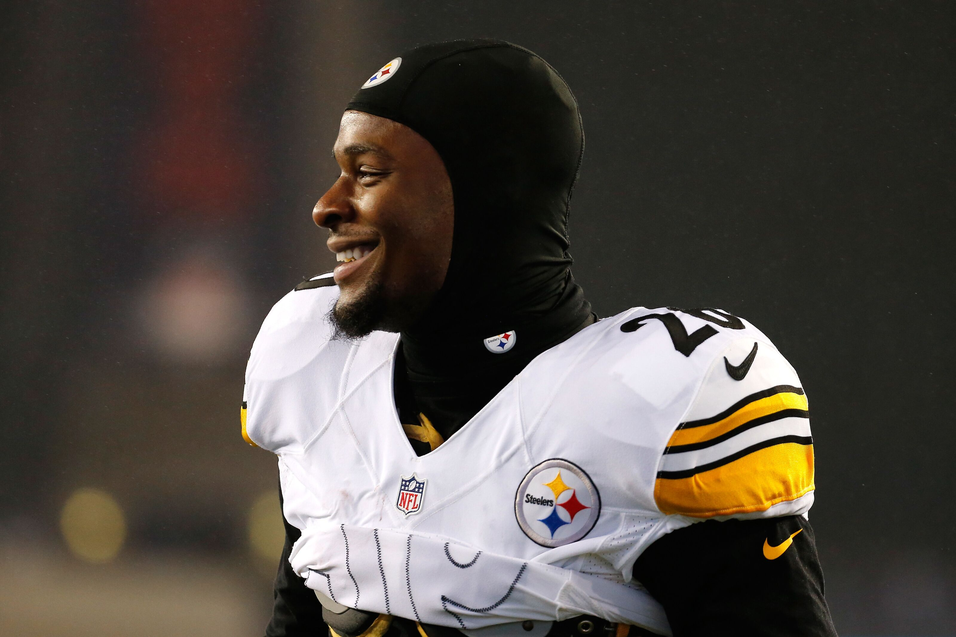 50a14166c2d7 Pittsburgh Steelers  Le Veon Bell unlikely to return in 2018