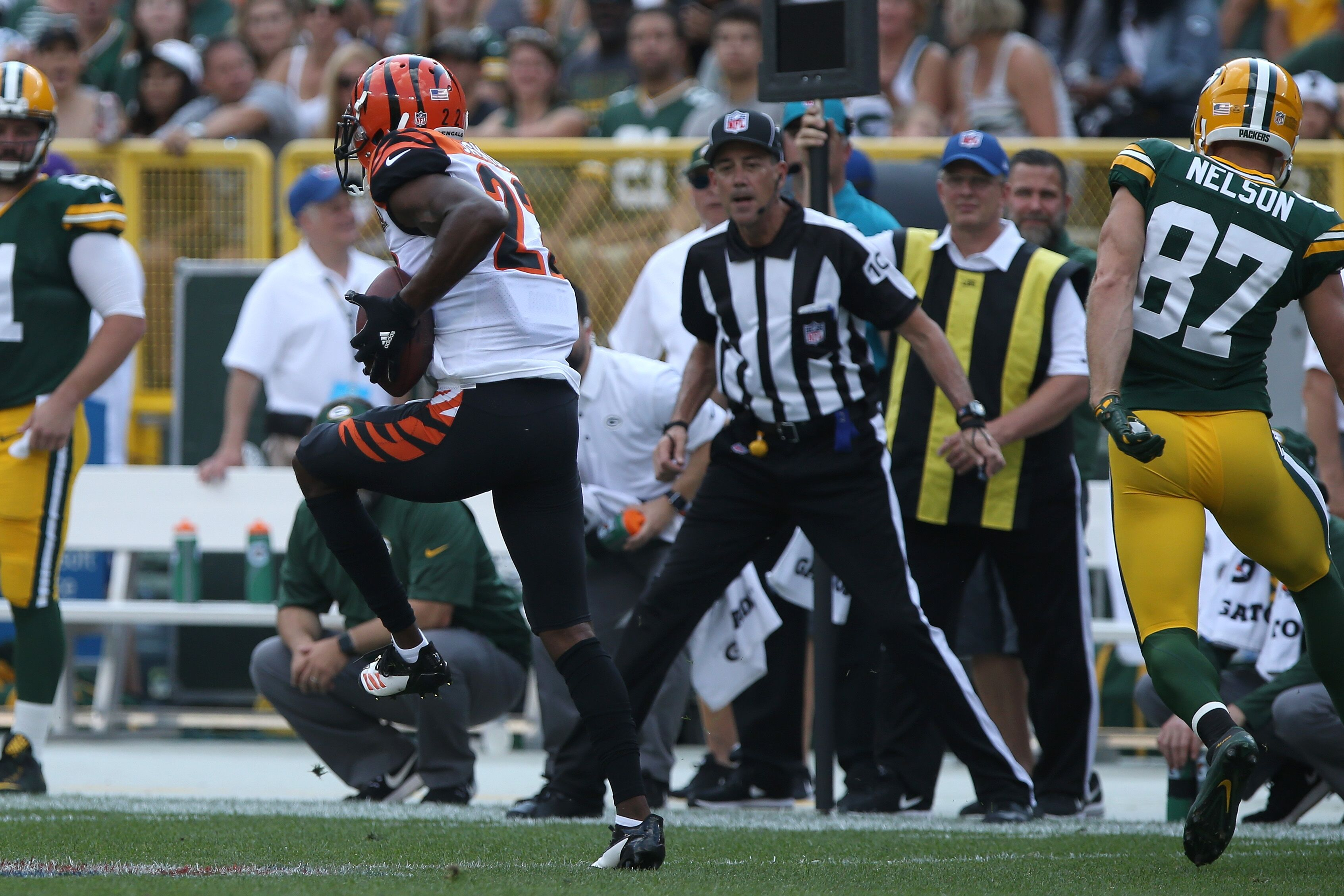 853182686-cincinnati-bengals-vs-green-bay-packers.jpg