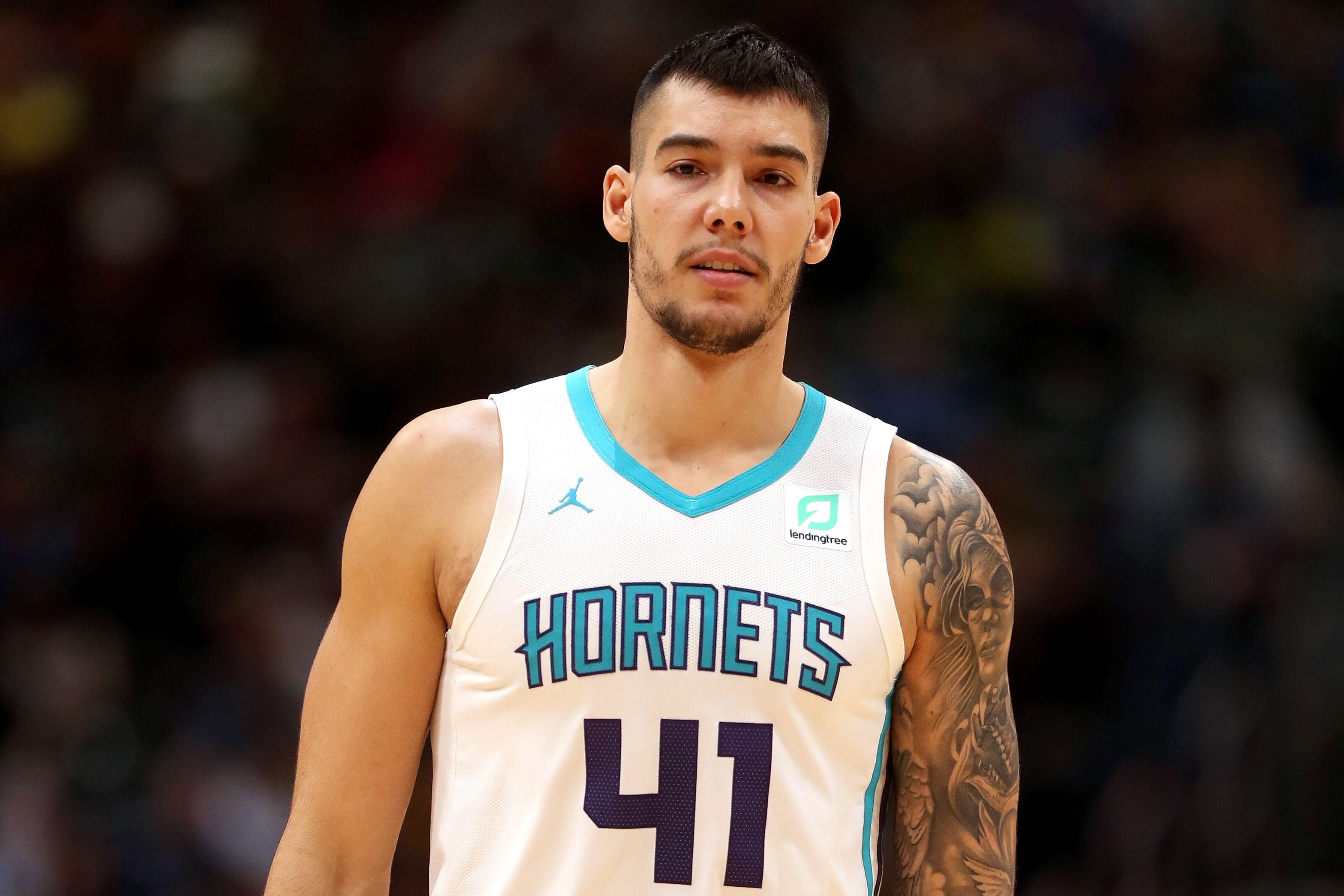 Do the Charlotte Hornets have a big to offer the Los Angeles Lakers?