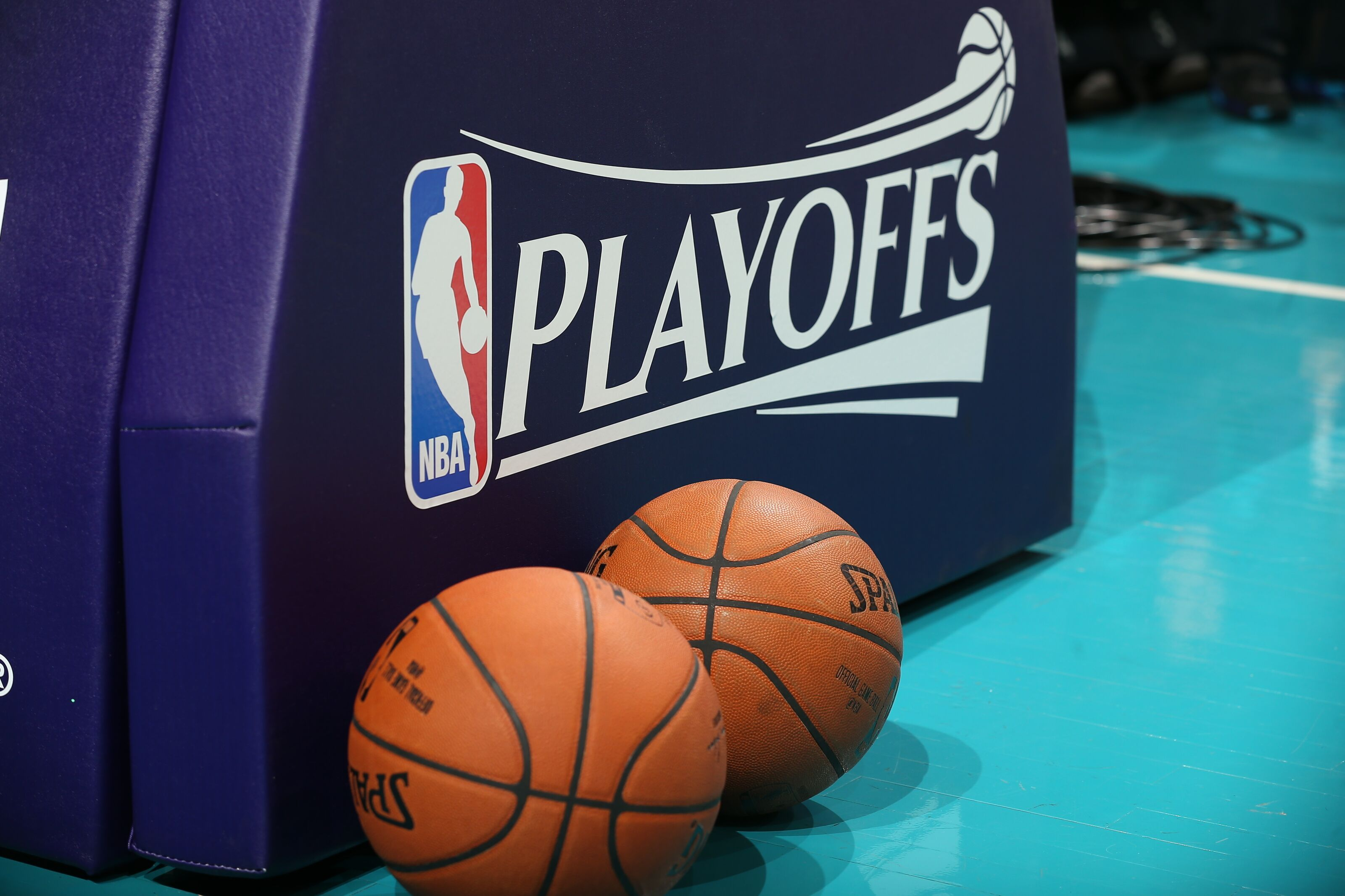 Charlotte Hornets: Don't tank, spend the bank