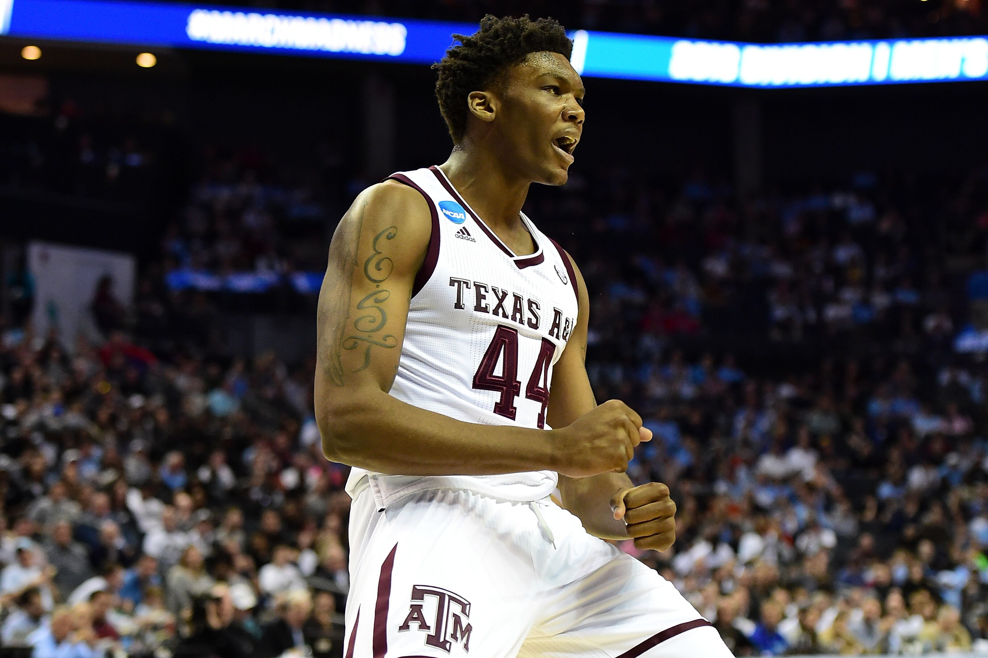 Charlotte Hornets to workout projected lottery pick Robert Williams