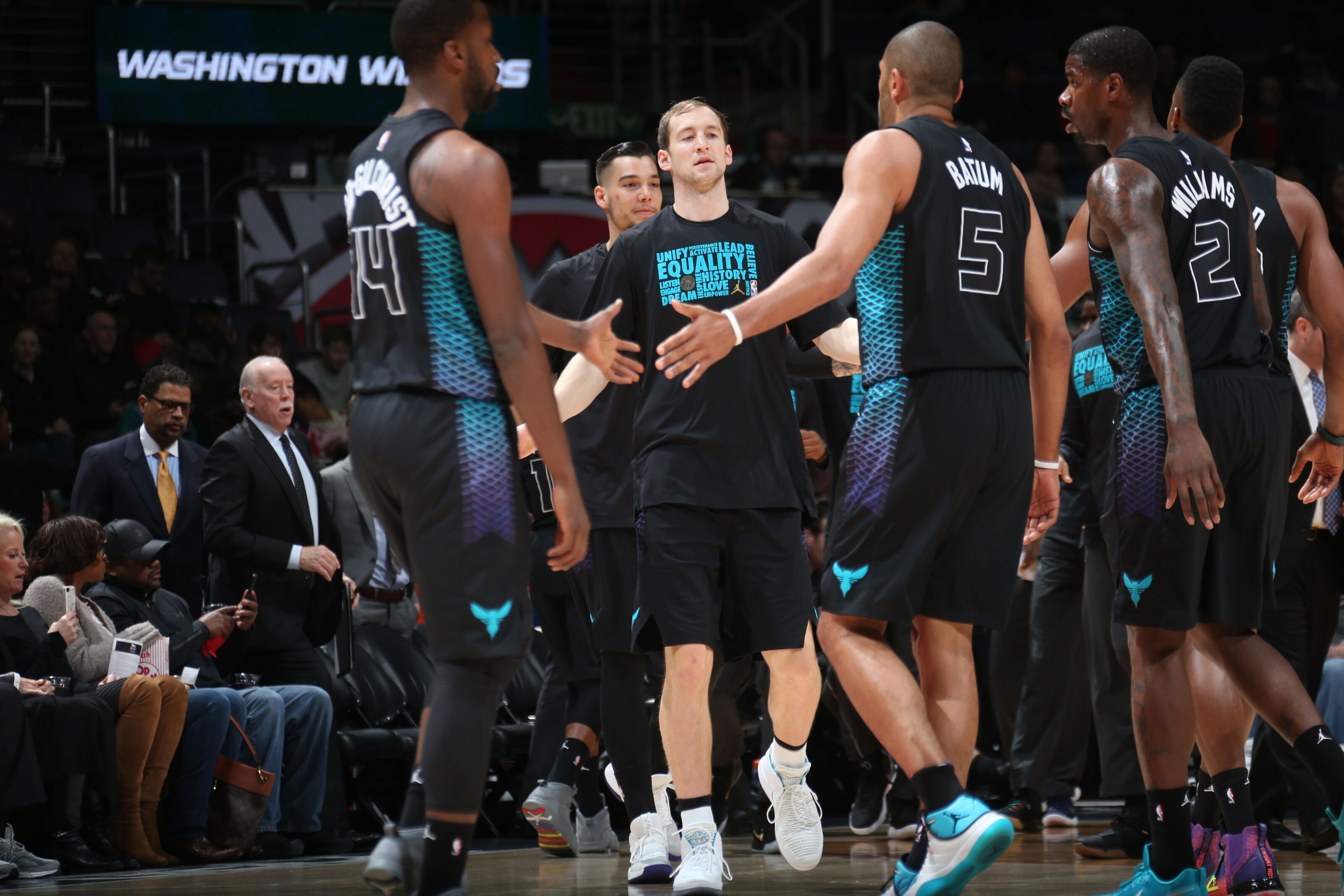 923548242-charlotte-hornets-v-washington-wizards.jpg