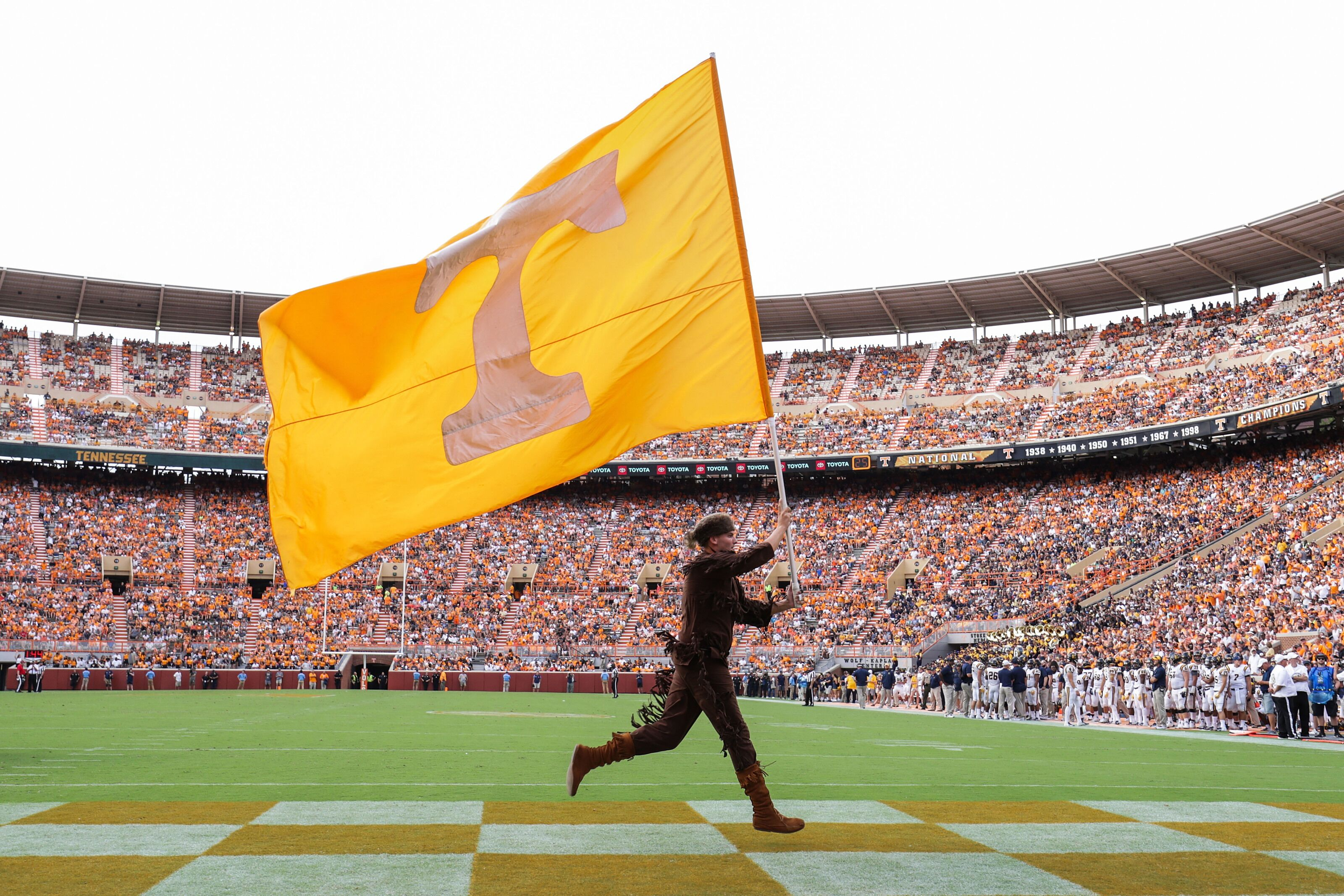 Tennessee Football: A SEC media member picked the Vols to win the SEC