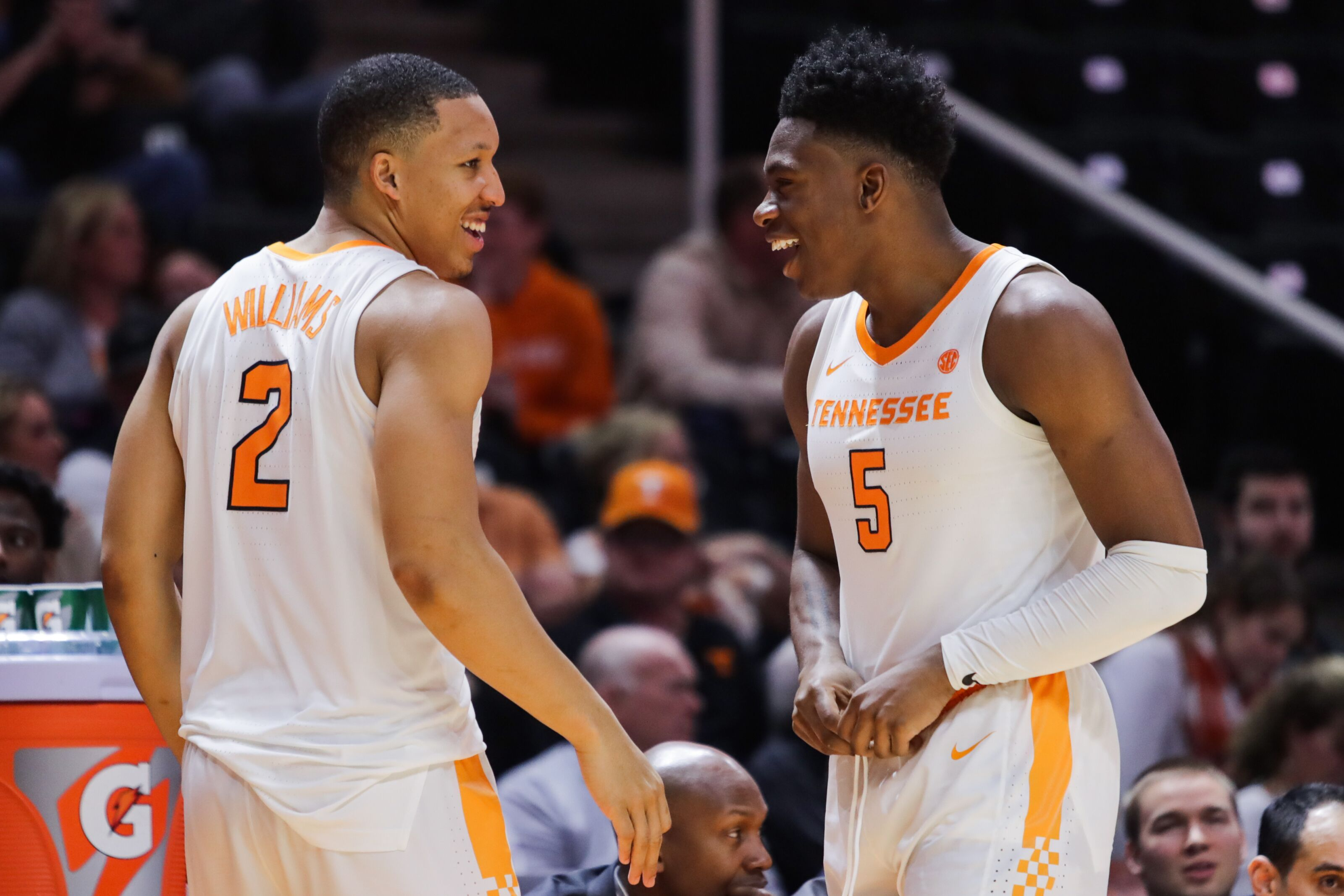 Tennessee Basketball: Grant Williams and Admiral Schofield have successful debuts