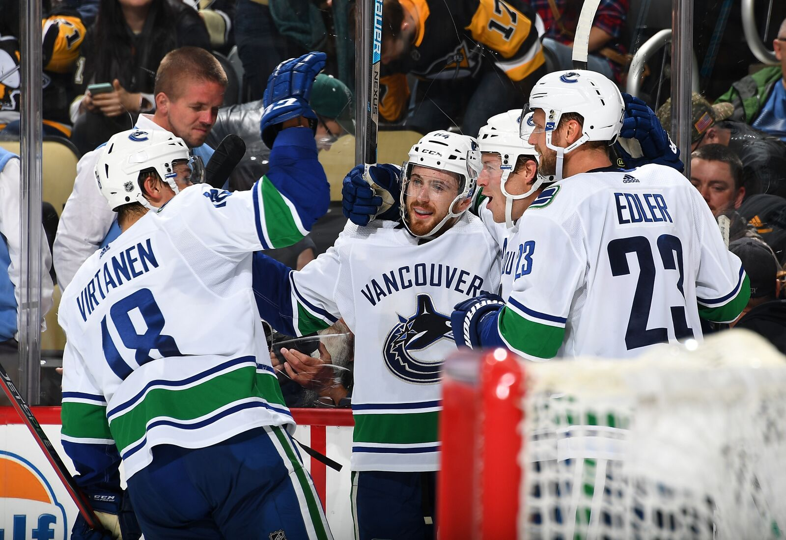 Vancouver Canucks place sixth in The Athletic's future rankings