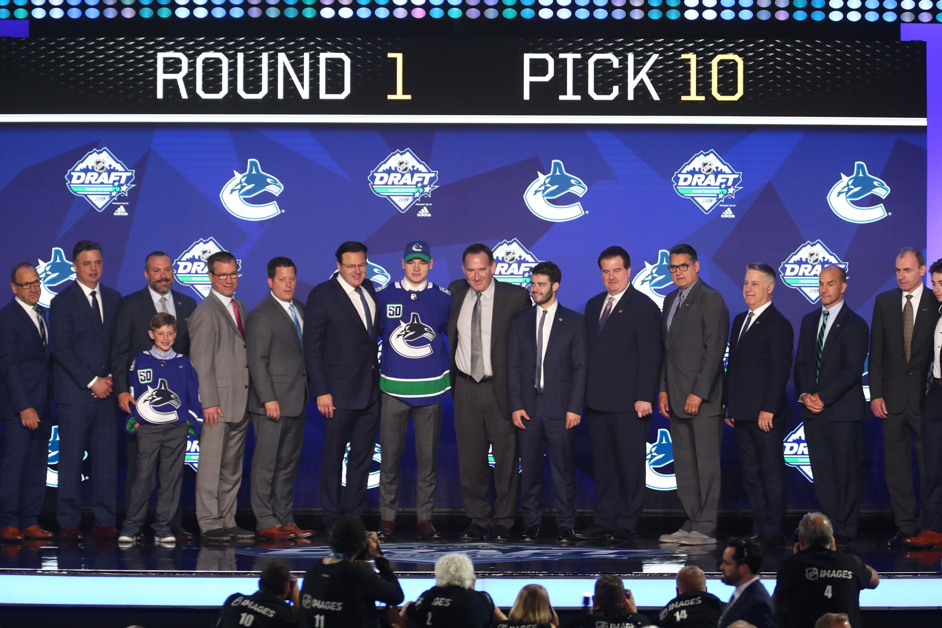 Vancouver Canucks: Farm system ranked fifth best by The Athletic