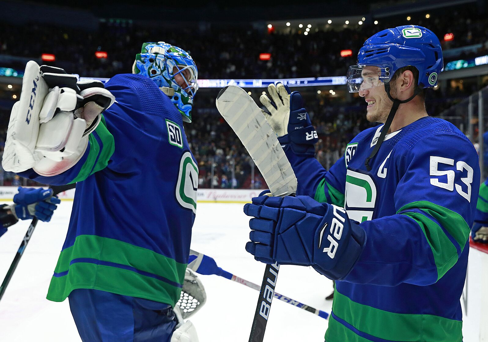 Quadrelli Report: Vancouver Canucks jersey wars begin in win over Flyers