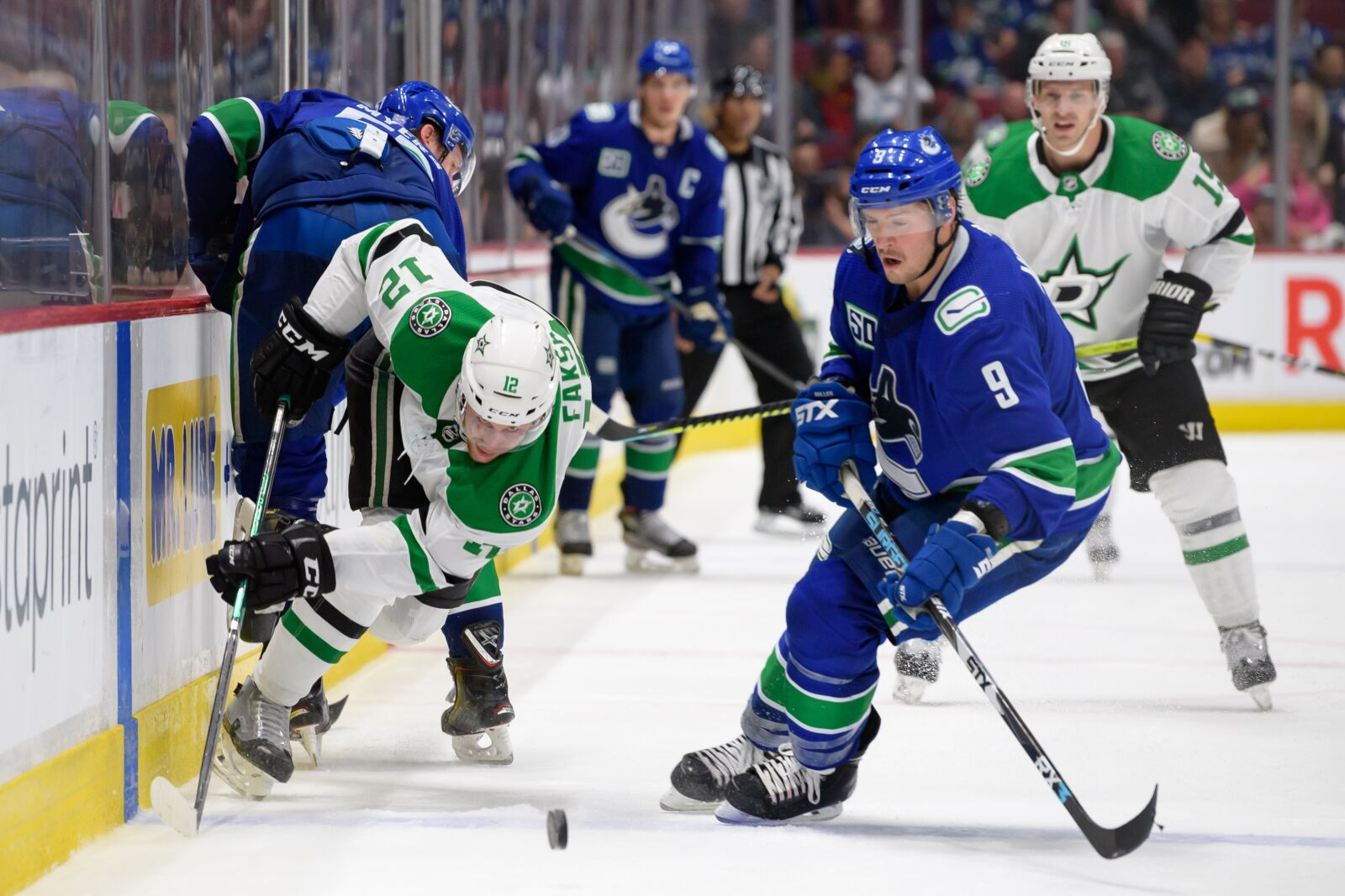 Canucks: The problems from last year are on display again