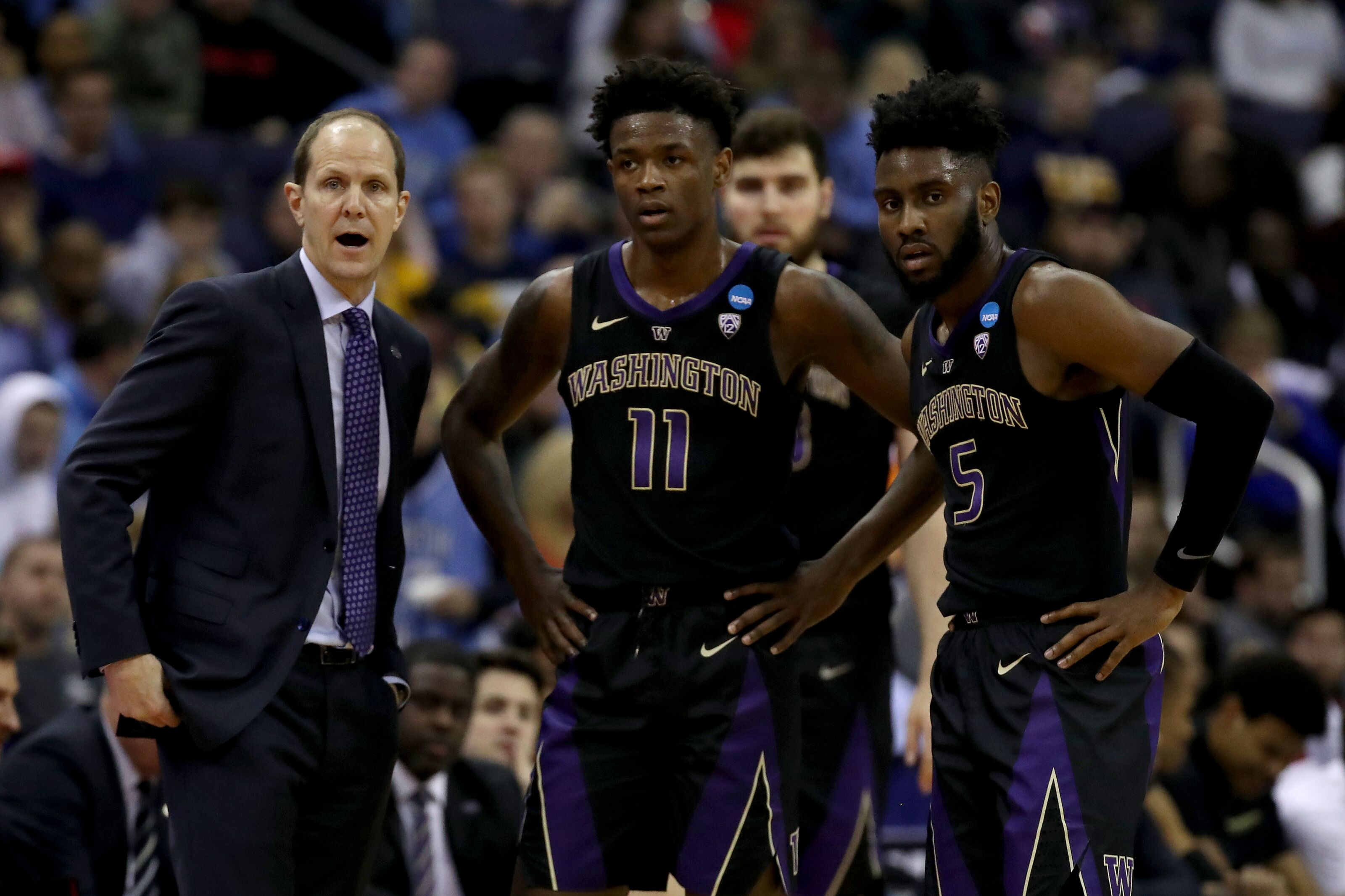 Washington basketball starts the 2019-20 season unranked