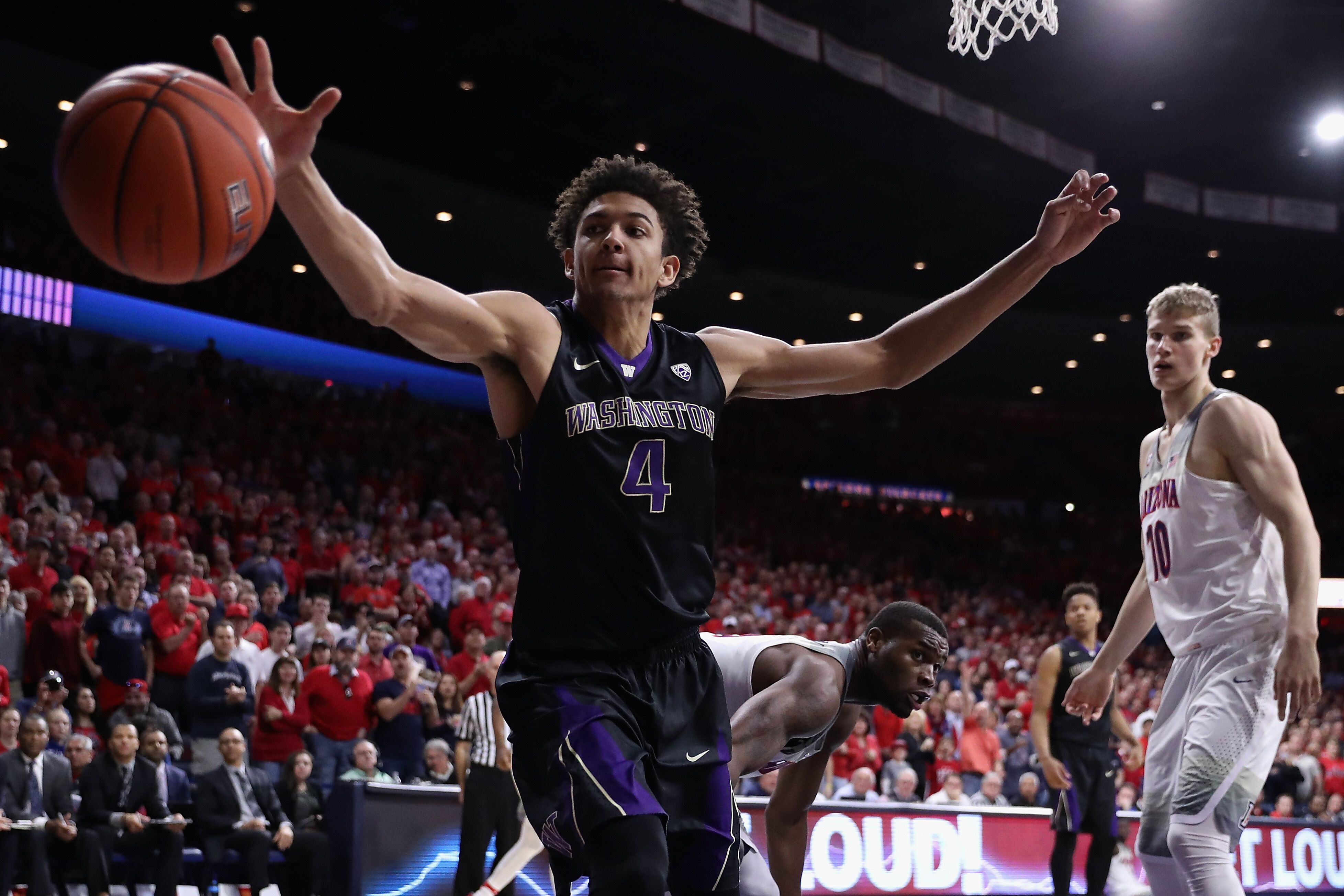 Washington Basketball gets blown out in Vegas