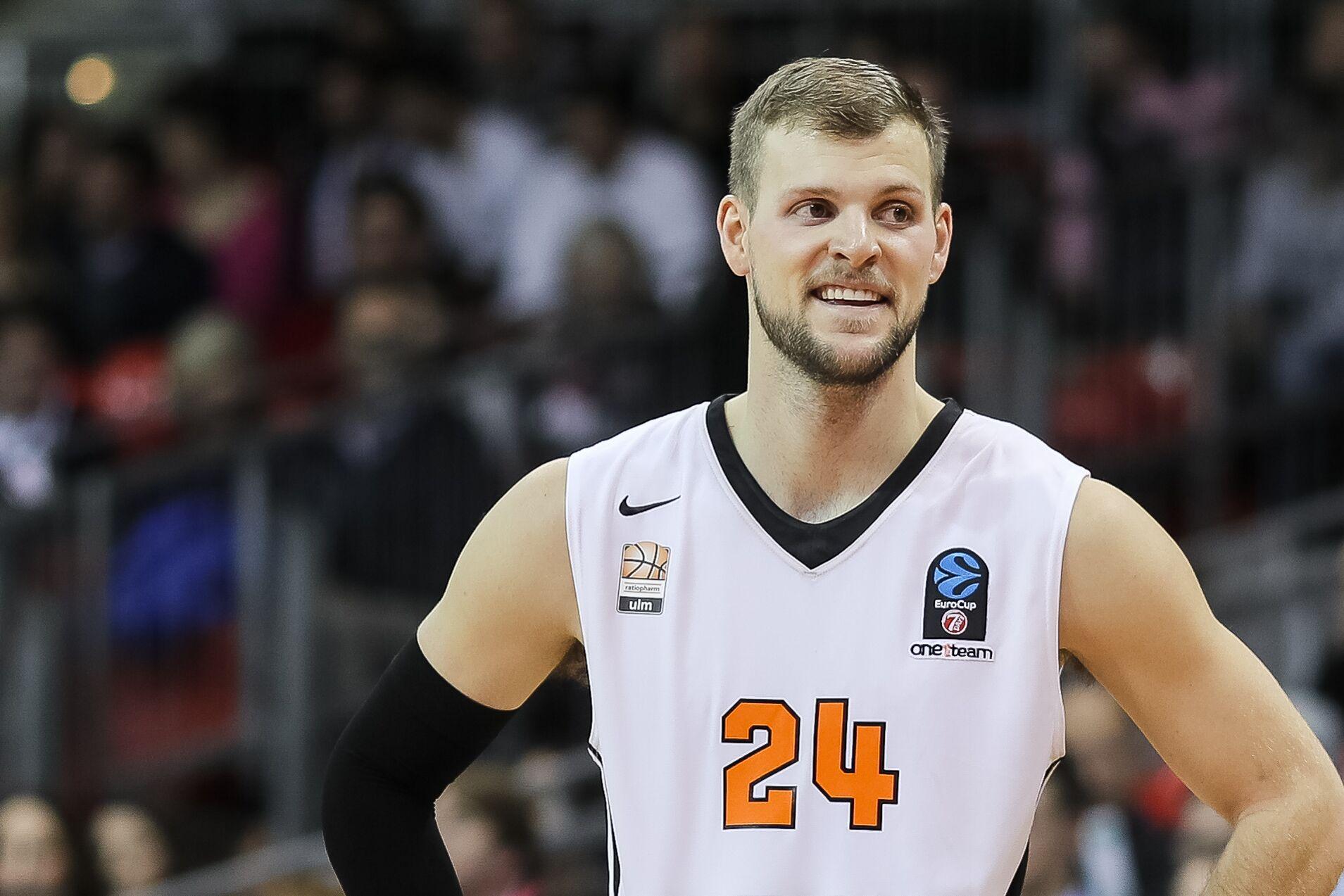 Utah Jazz notes Taylor Braun signed Mitch Kupchak in the house