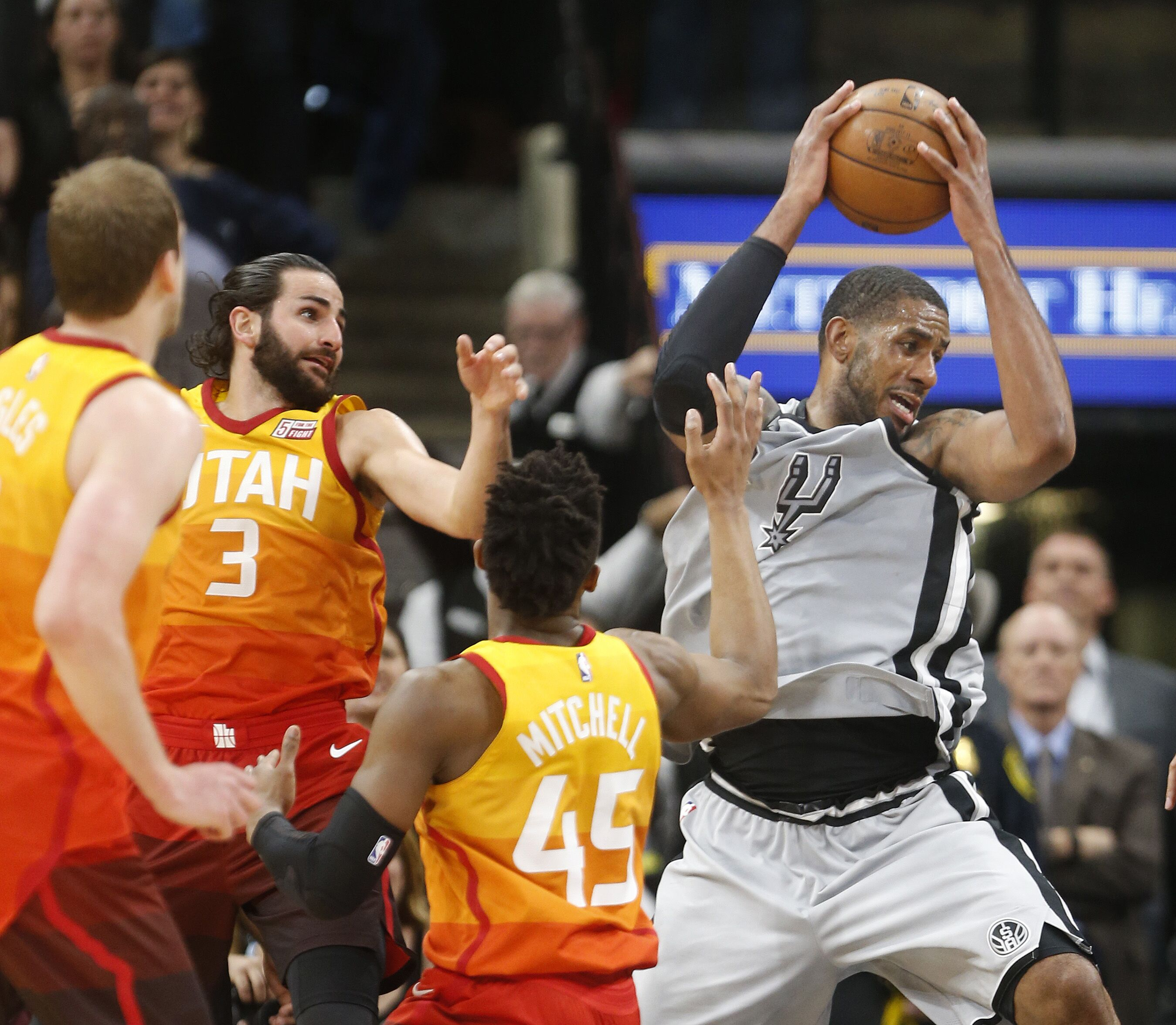 Utah Jazz: Aldridge Needed A Career Night To Overcome Mitchell