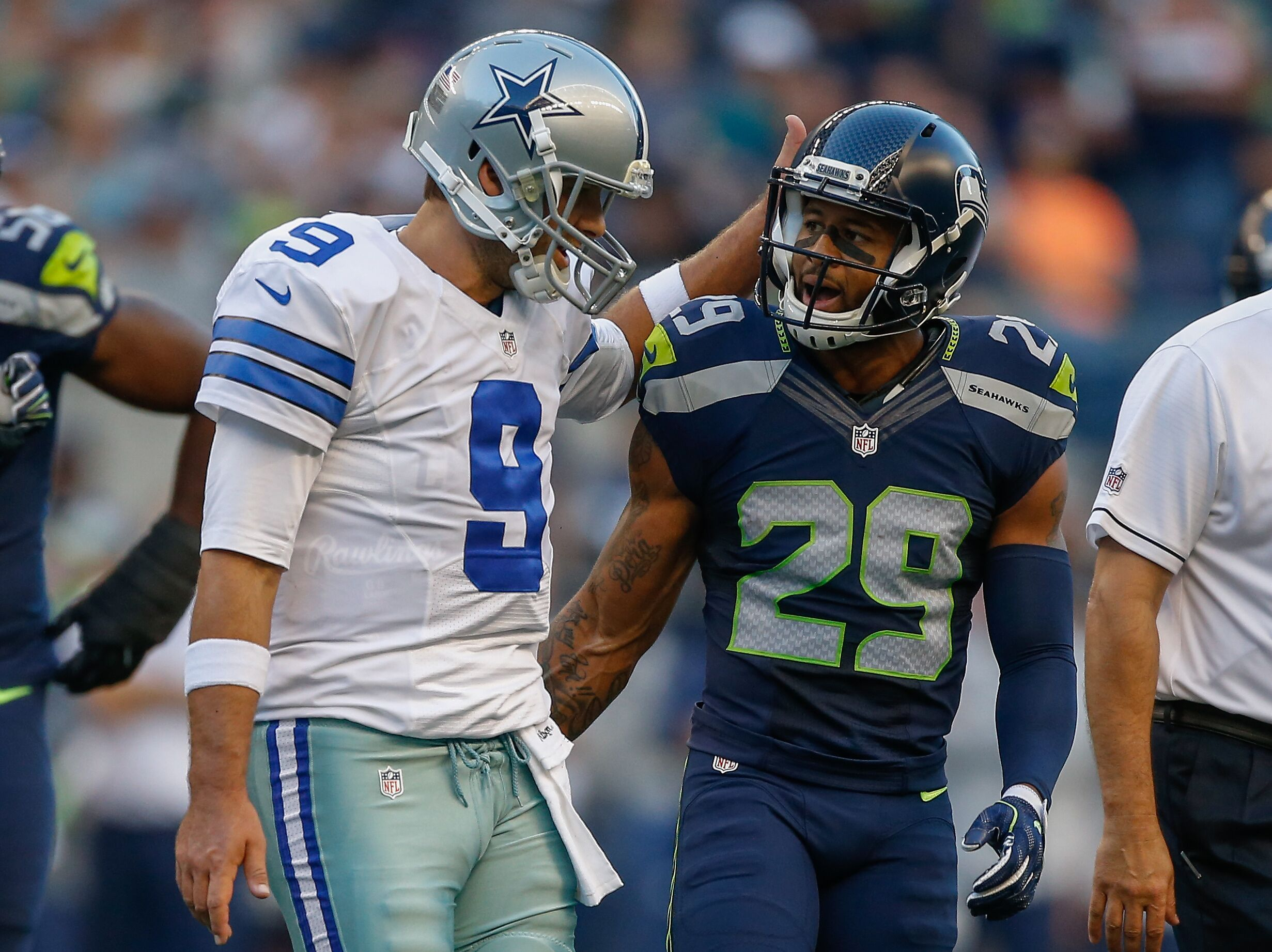 738e04ee9c5 Would Cowboys' fan Earl Thomas give Dallas a discount?
