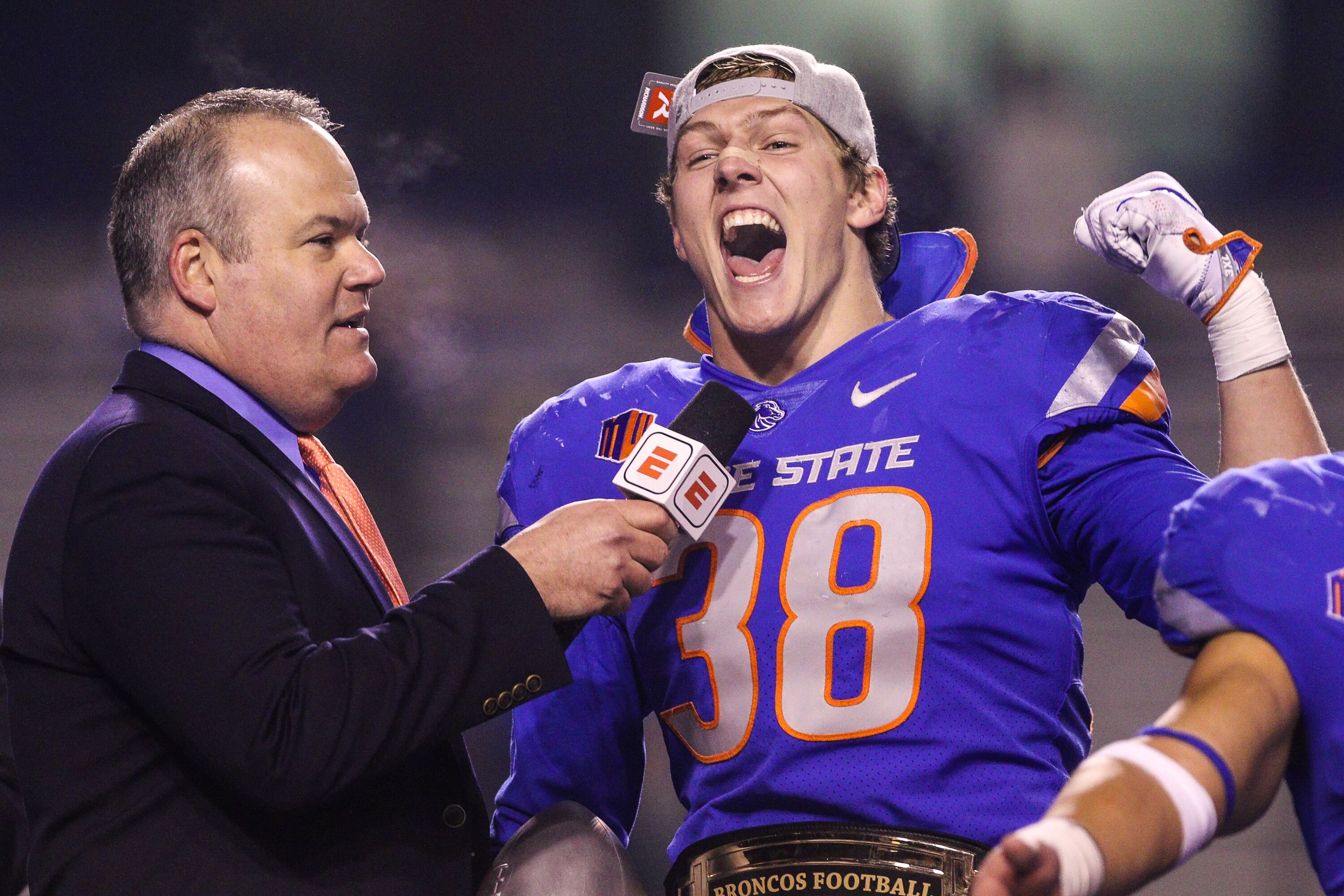 best loved 208ad 5ad80 Dallas Cowboys Draft: Why Leighton Vander Esch is the future