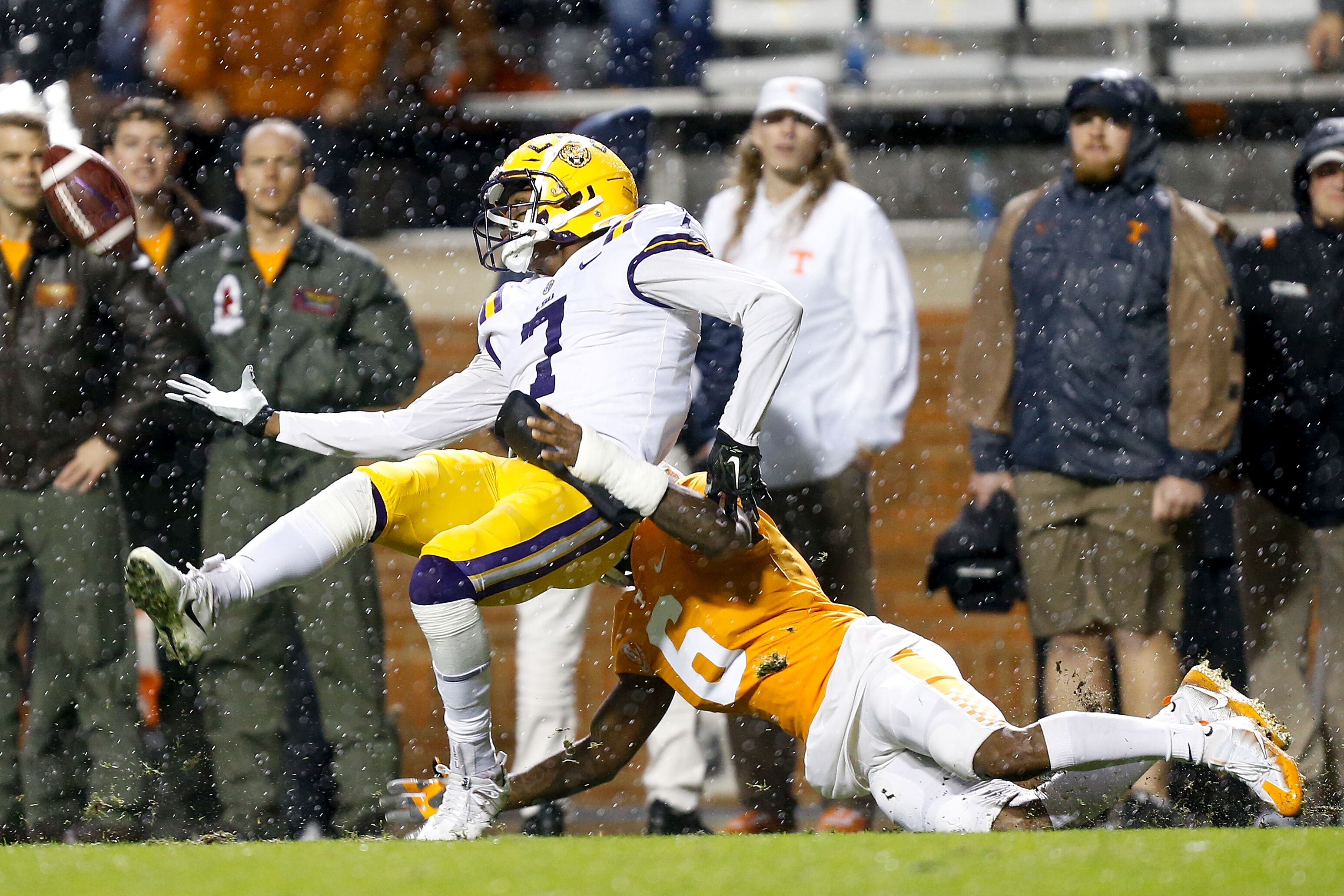 Why the Dallas Cowboys should avoid drafting LSU's D.J. Chark