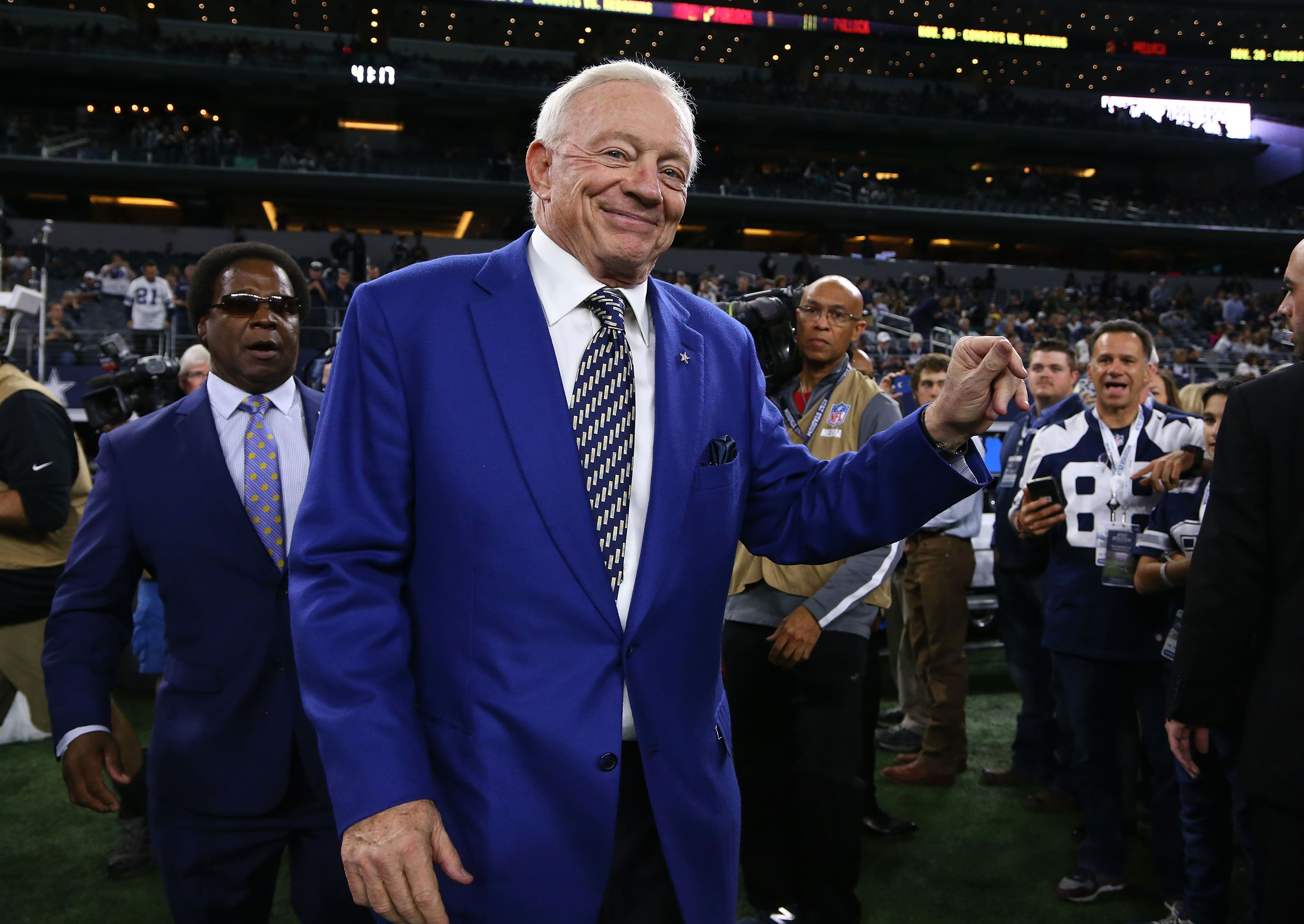 Dallas Cowboys: Fight night at Jerry World proves revealing