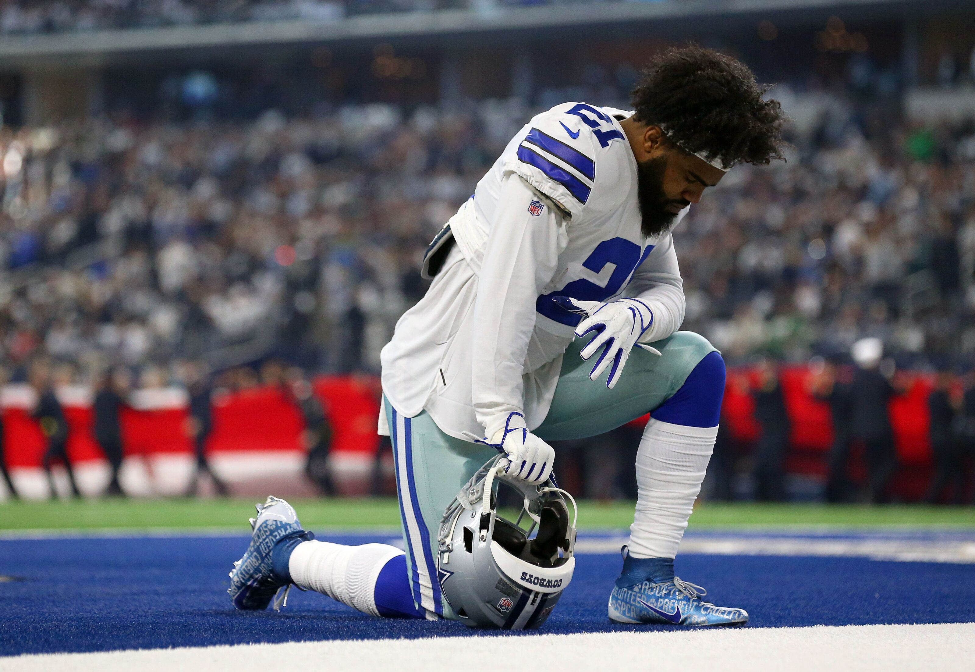 Should the Dallas Cowboys rest their starters against the Giants  a770f4a17