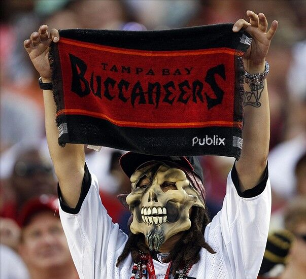 Buccaneers Must Sell 9 000 More Tickets To Avoid Blackout