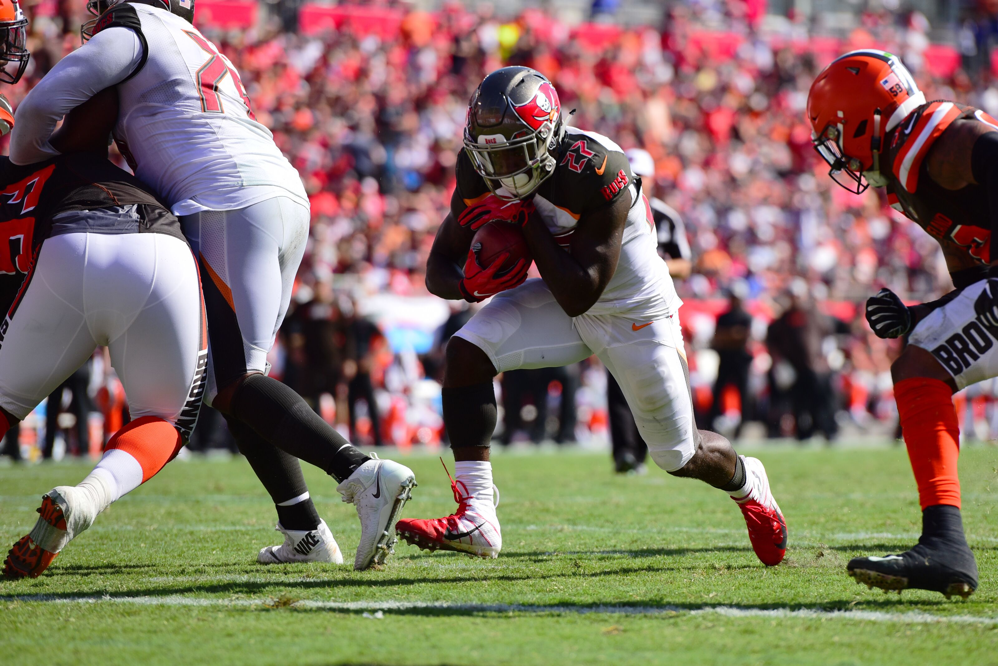 Tampa Bay Buccaneers: Ronald Jones makes a splash vs. 49ers
