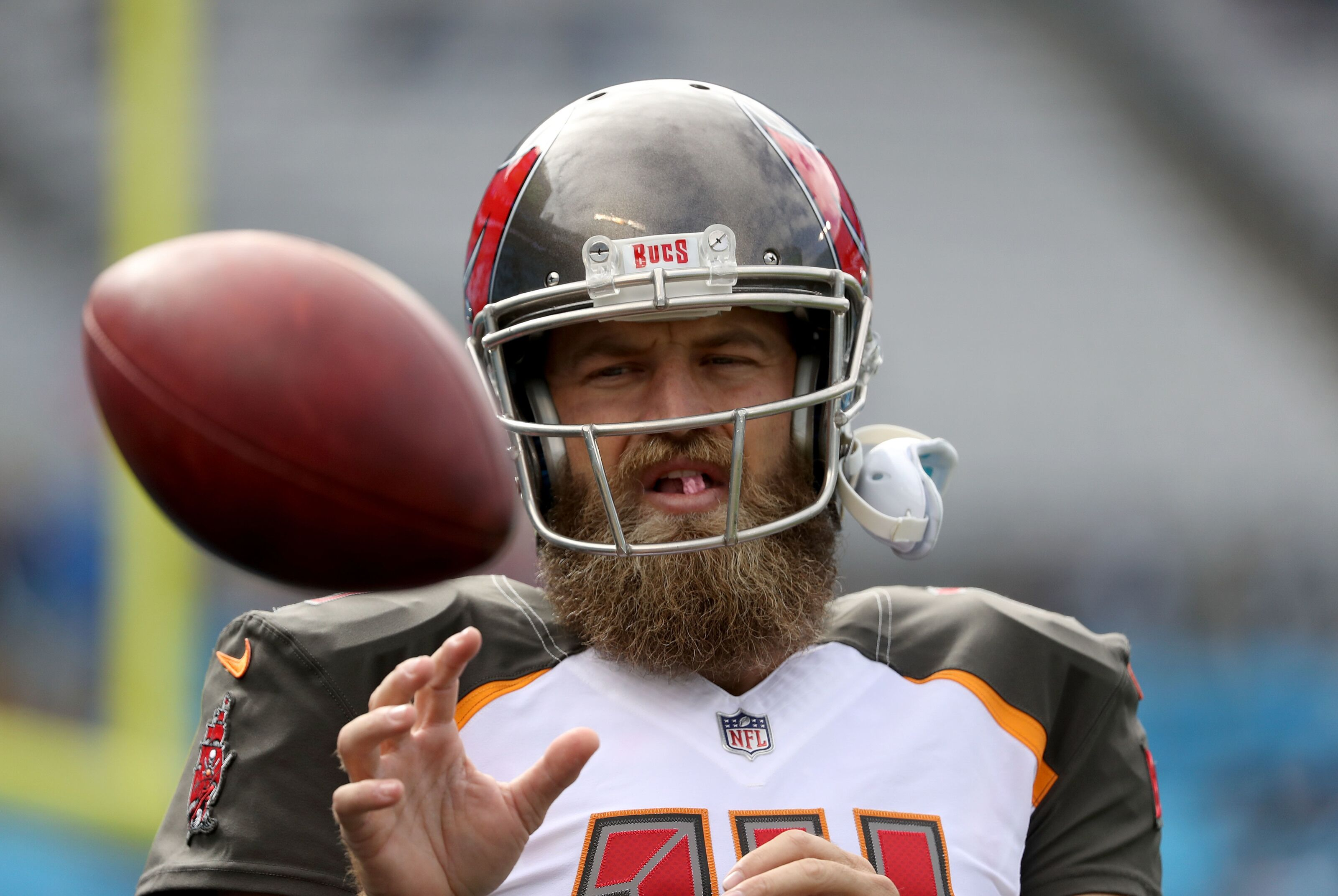 sale retailer 3ba84 b238f Tampa Bay Buccaneers: An ode to the departing Fitzmagic