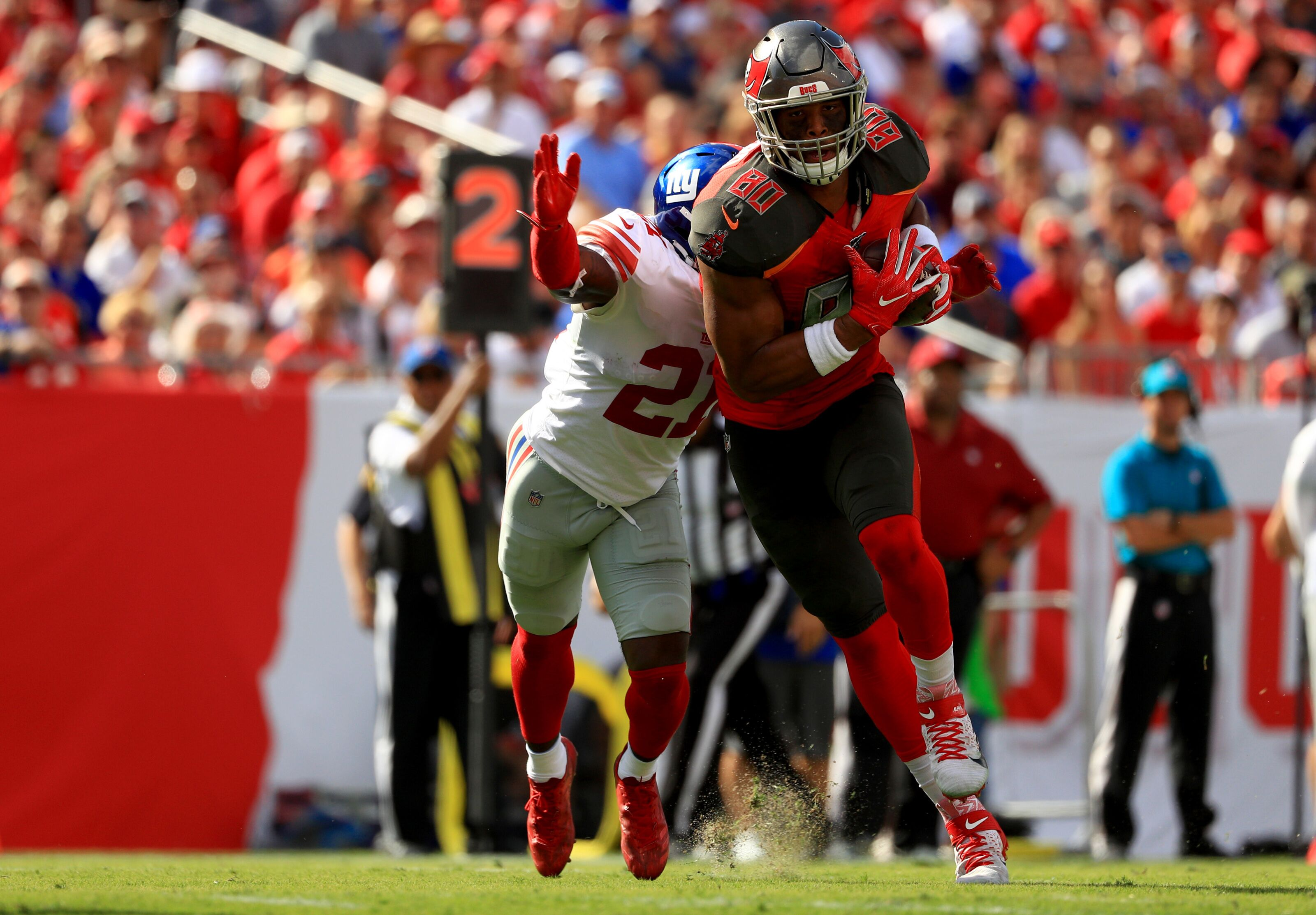 Buccaneers should consider moving O.J. Howard to wide receiver