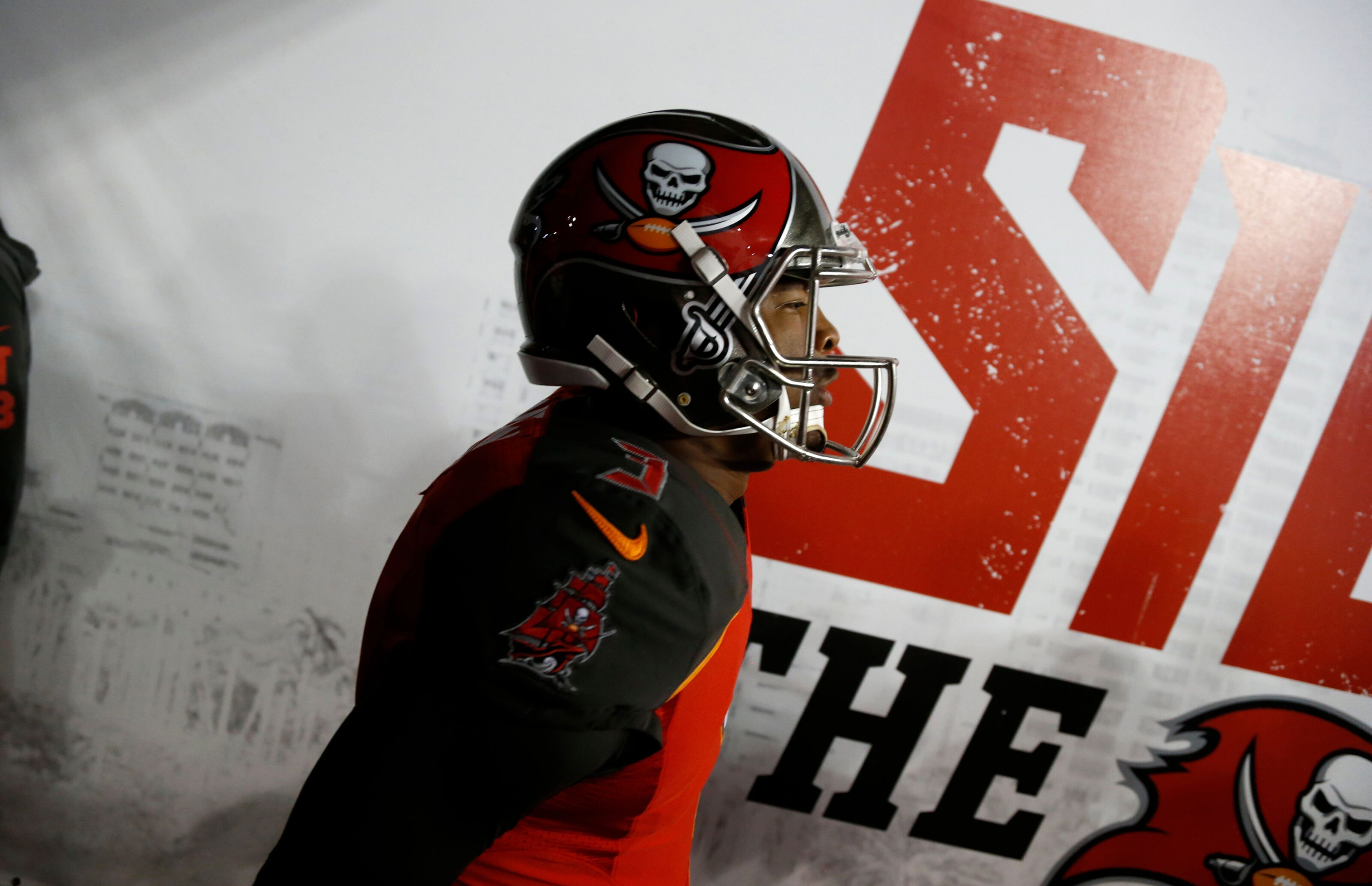 Football is a Privilege  Jameis Winston needs to fix reputation ae222e8dc