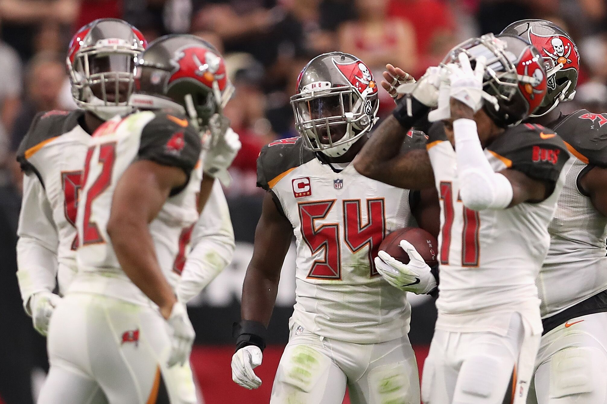 8b4c10fa411d Tampa Bay Buccaneers: Lavonte David happy with new additions
