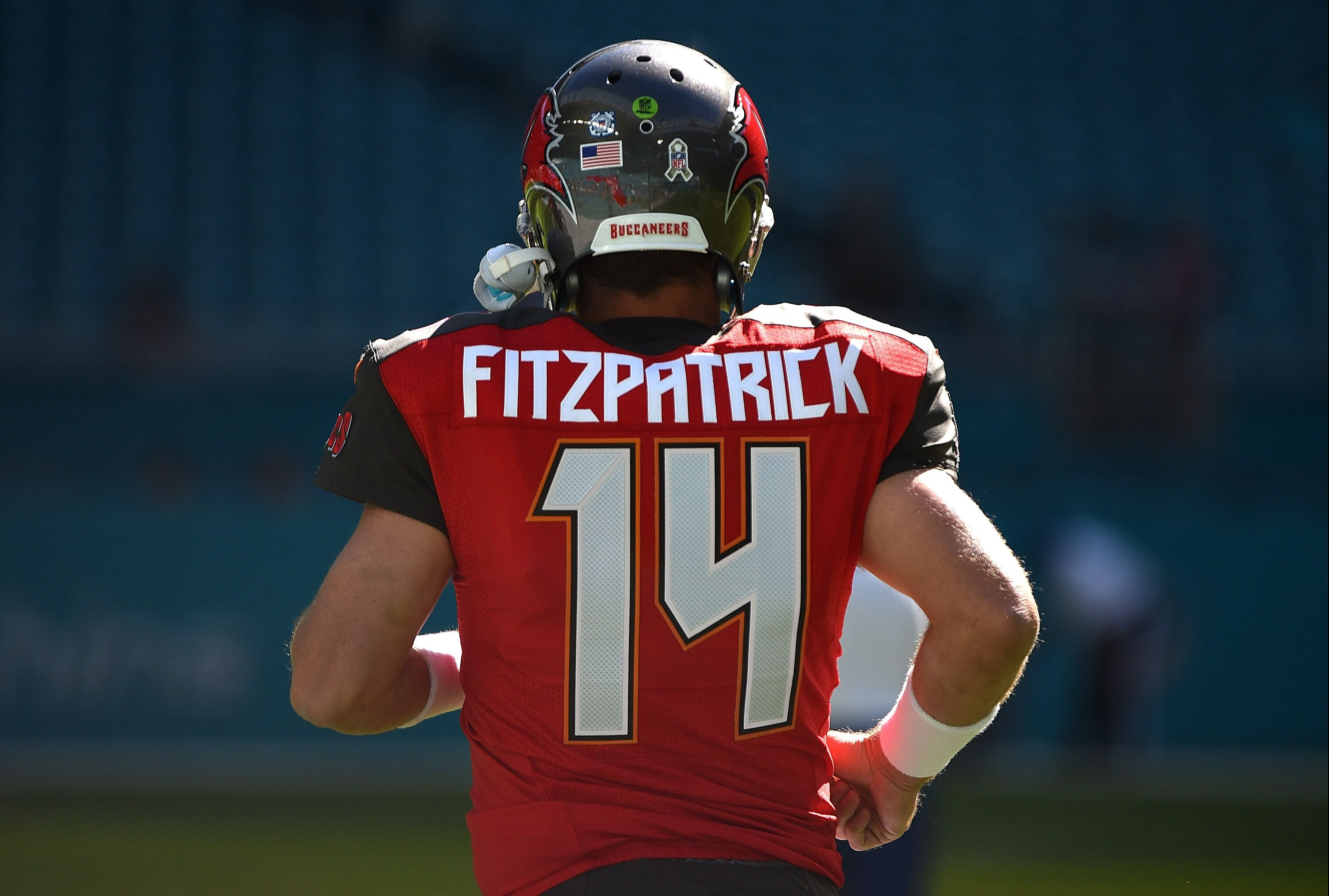 Tampa Bay Buccaneers  New confidence in Ryan Fitzpatrick for 2018 20b34782d