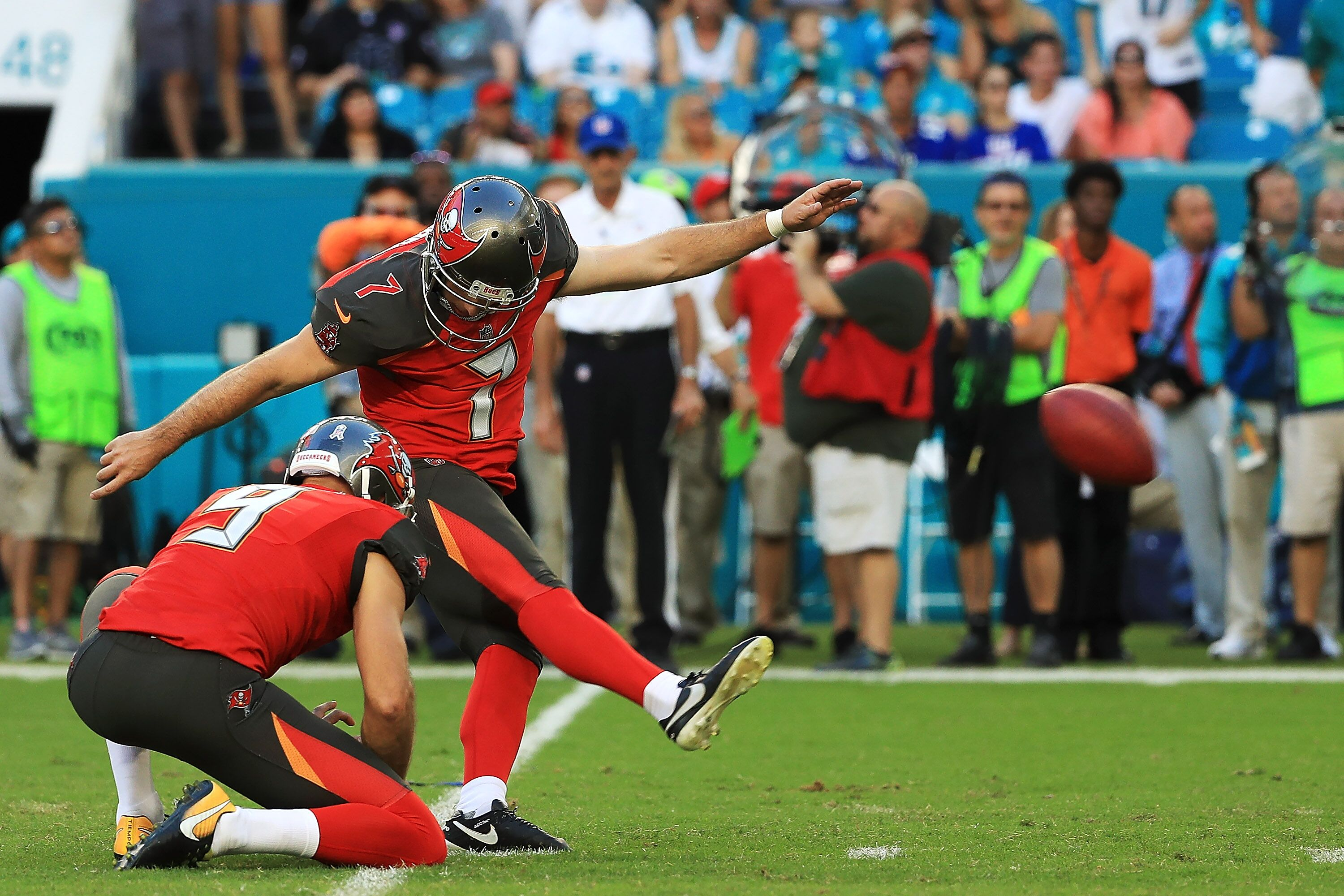 876350004-tampa-bay-buccaneers-v-miami-dolphin.jpg